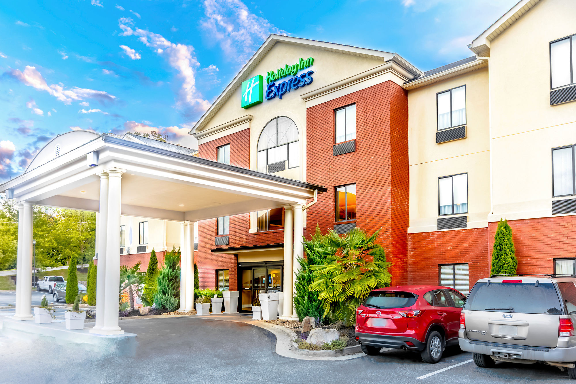 Holiday Inn Express Hotel & Suites Canton in Canton, GA
