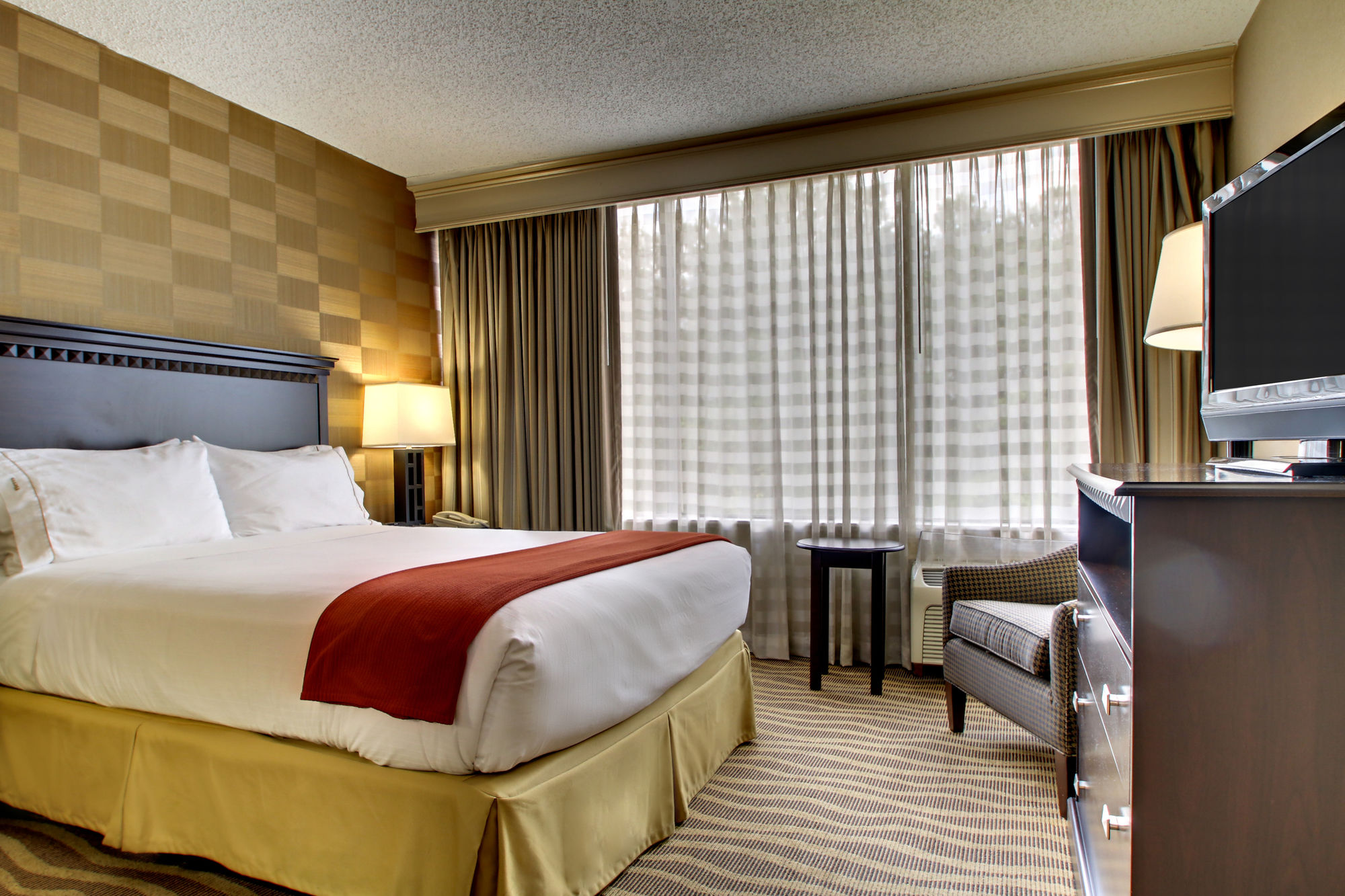 Holiday Inn Express Kennesaw in Kennesaw, GA