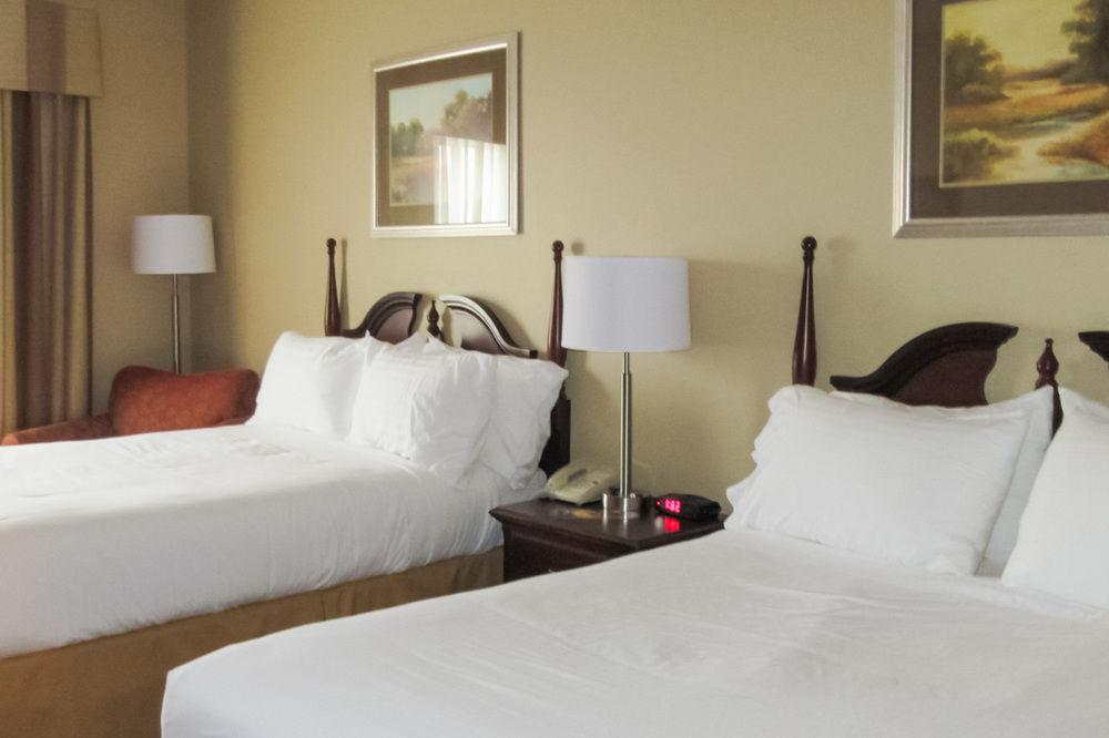 Holiday Inn Express Flat Rock