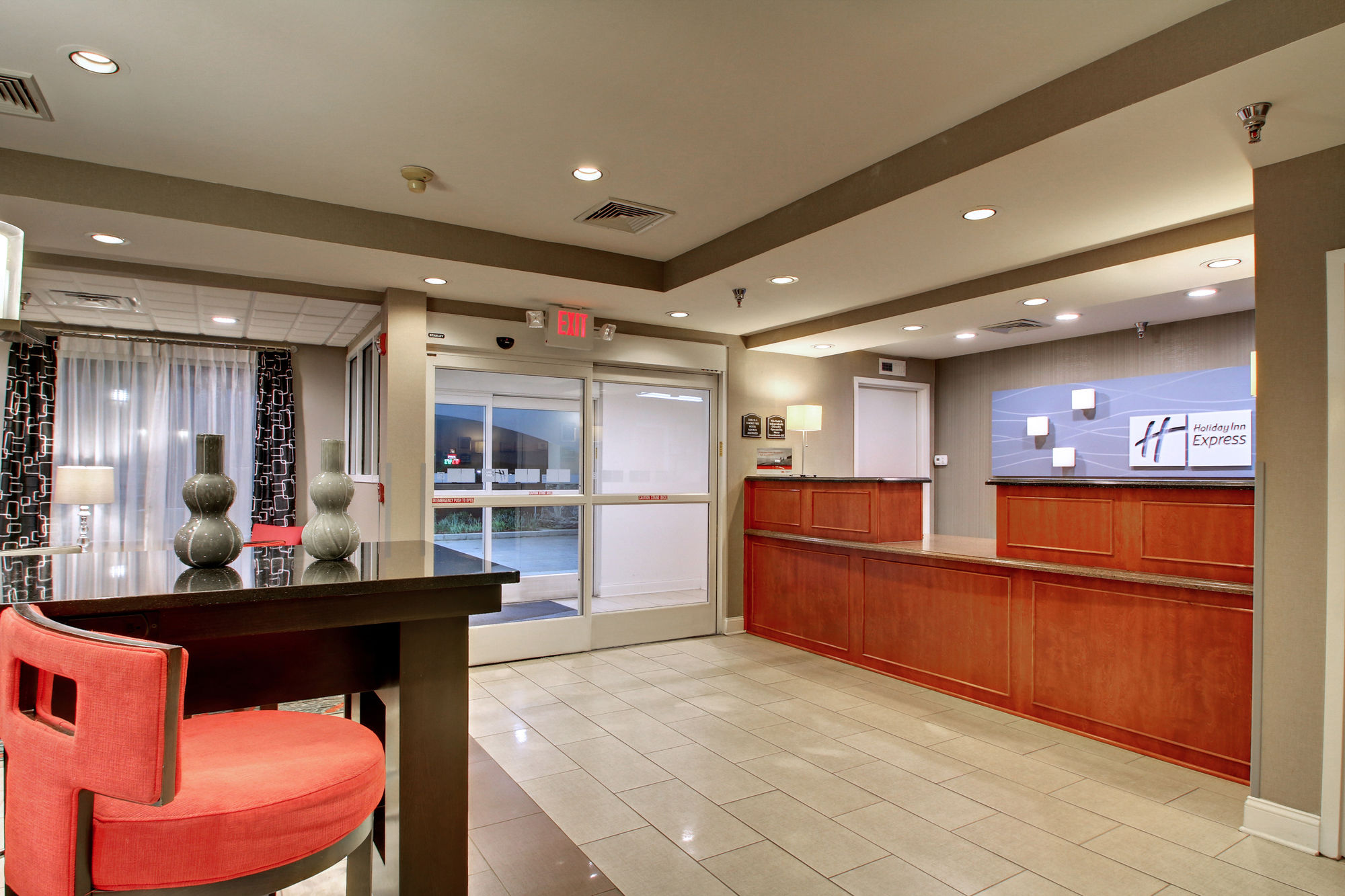 Holiday Inn Express Hurricane in Hurricane Mills, TN