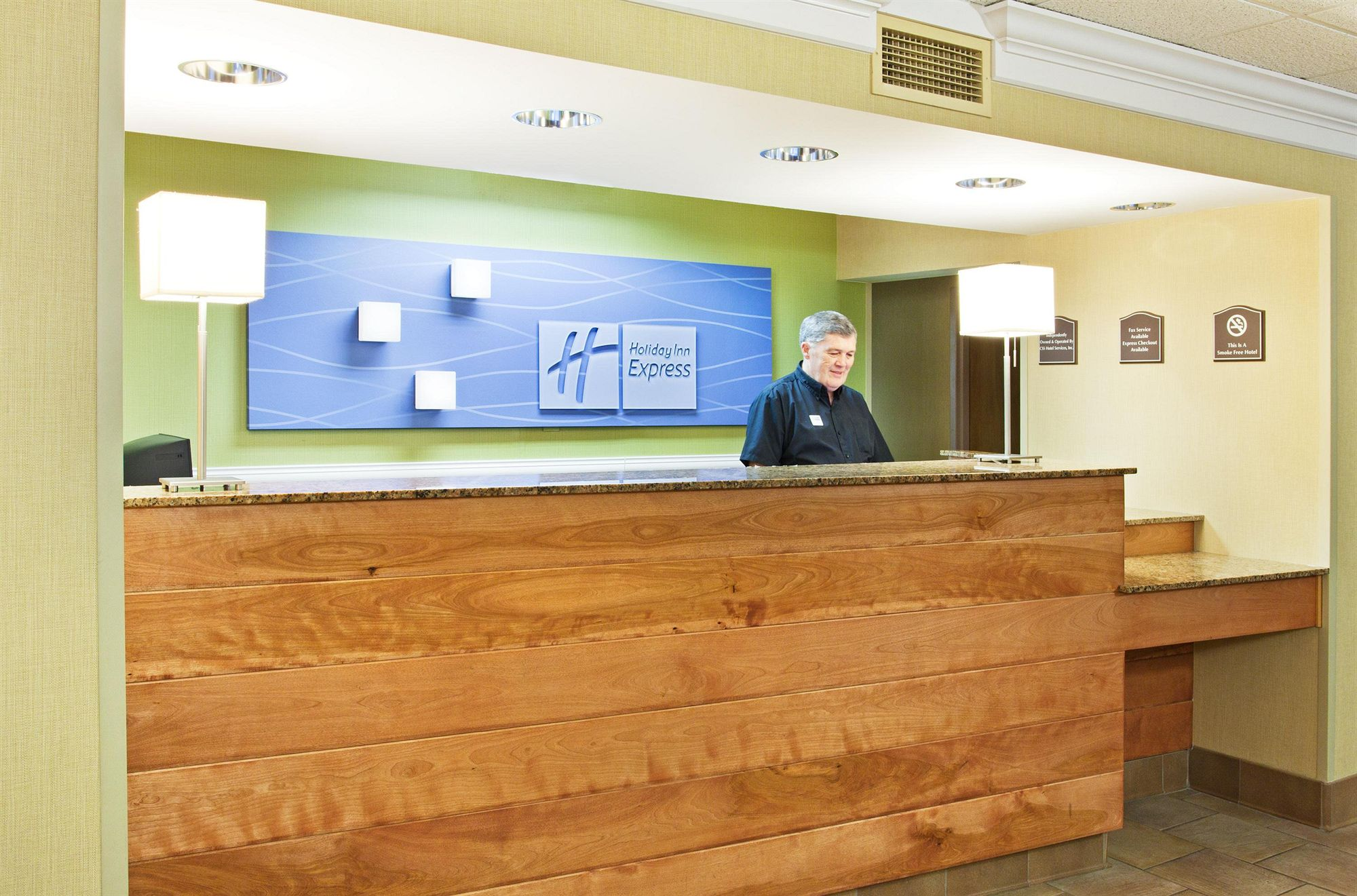 Holiday Inn Express & Suites in Pigeon Forge, TN
