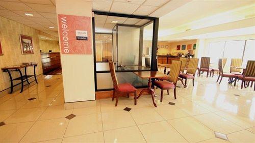 Comfort Inn & Suites in Thomson, GA