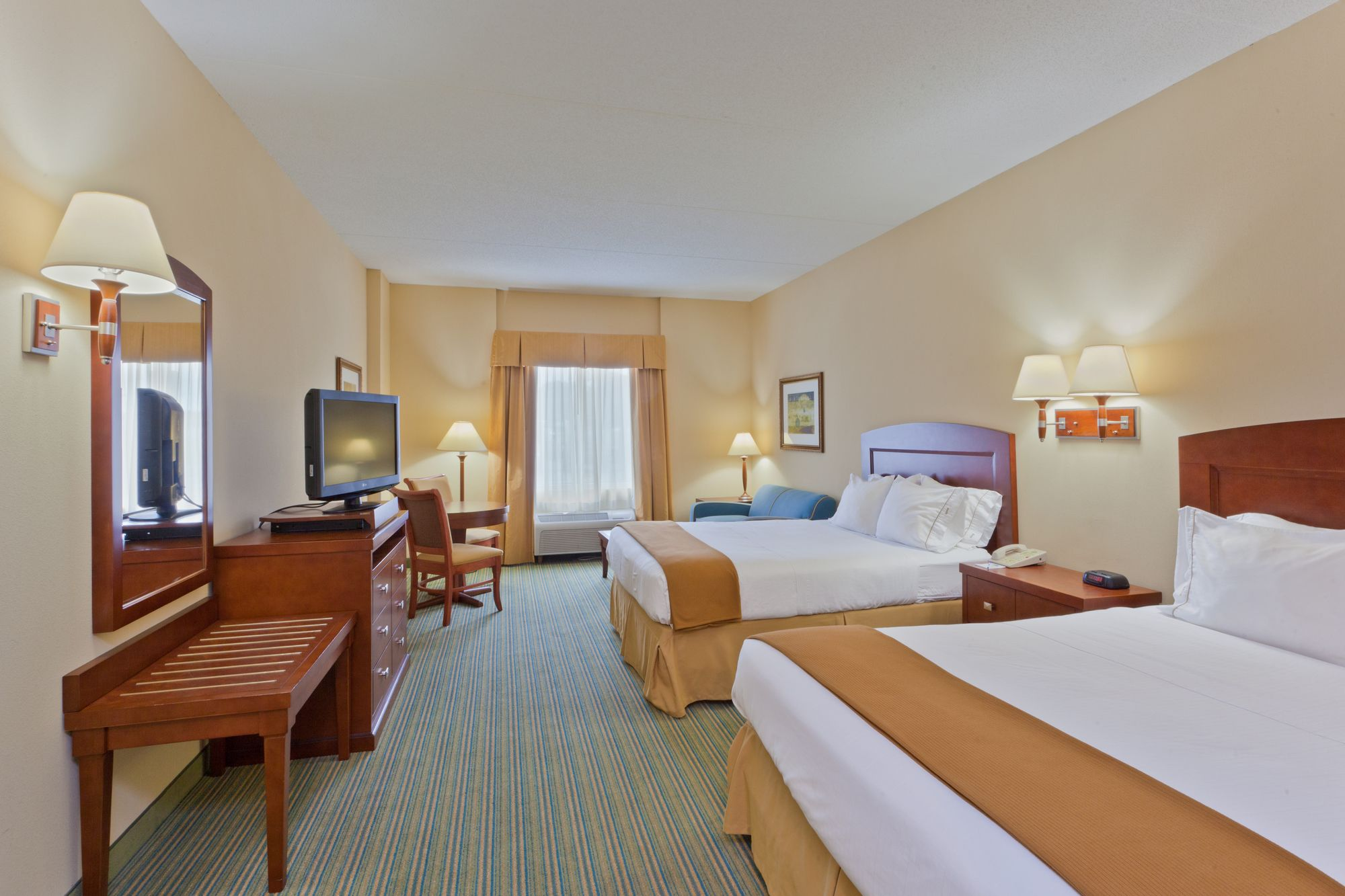 Holiday Inn Express - Rehoboth Beach