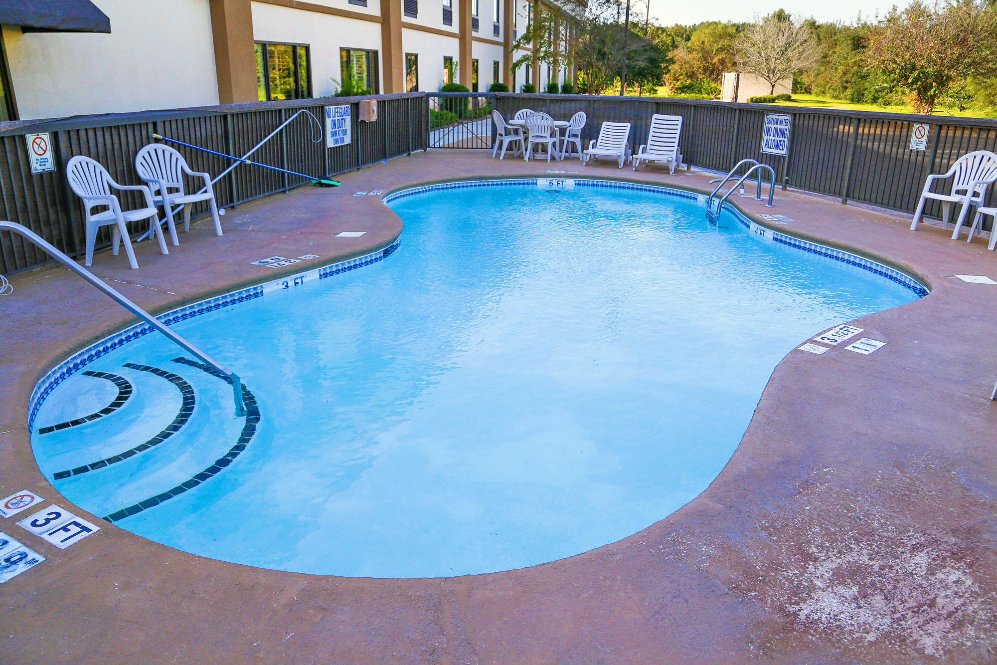 Red Roof Inn & Suites in Yemassee, SC