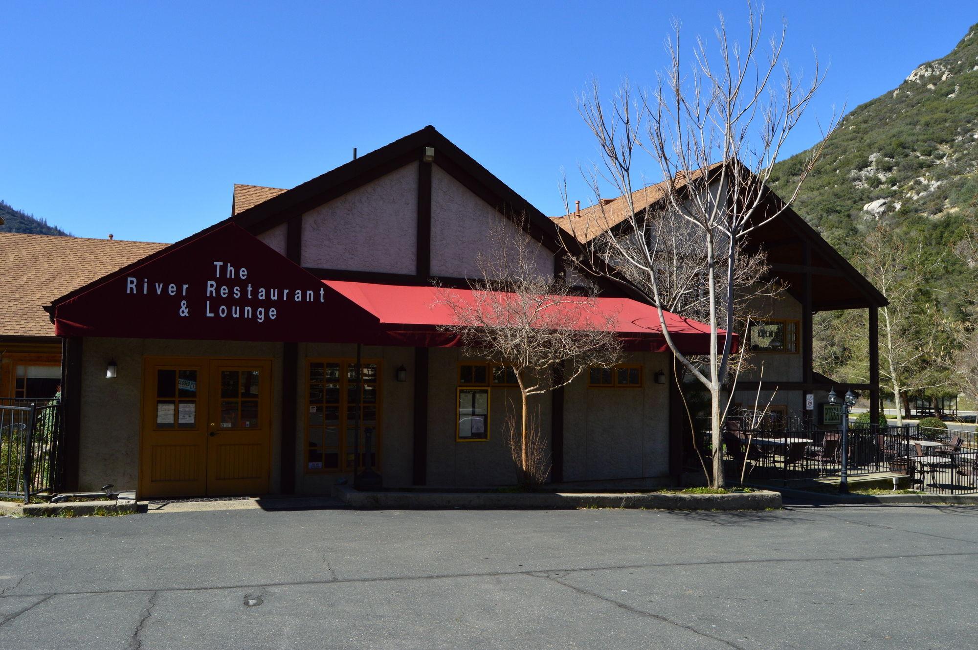 Yosemite View Lodge in El Portal, CA