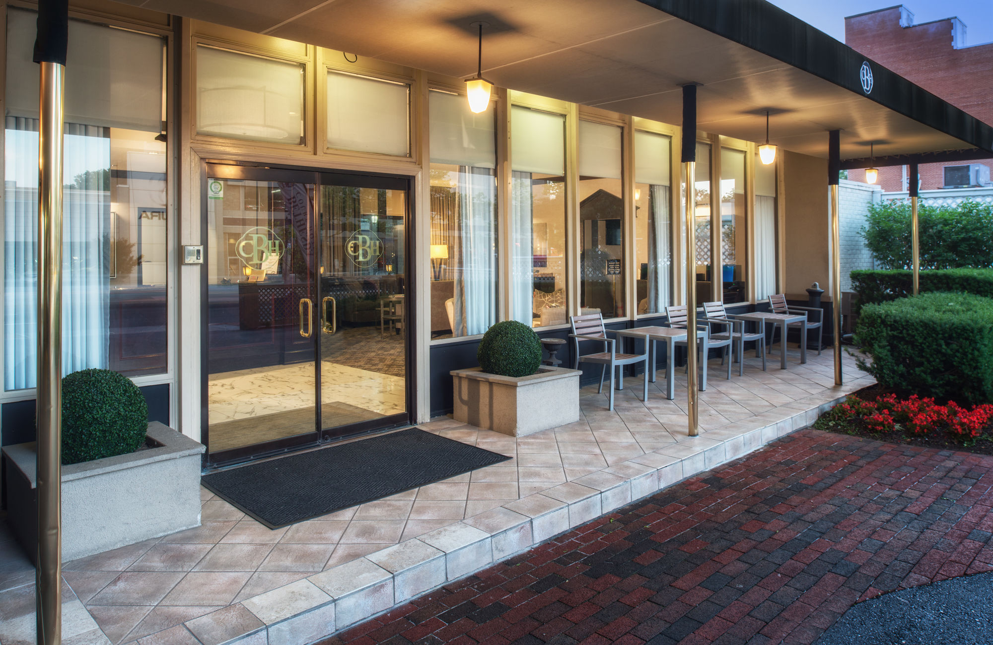Golden Tulip Bethesda Court Hotel