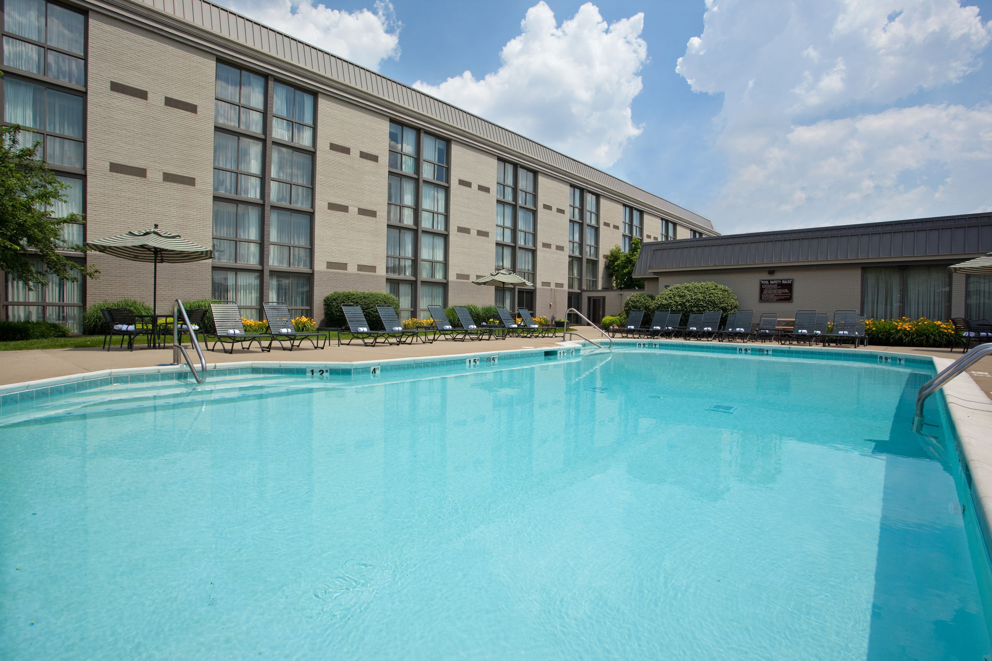 Holiday Inn Cincinnati-Riverfront