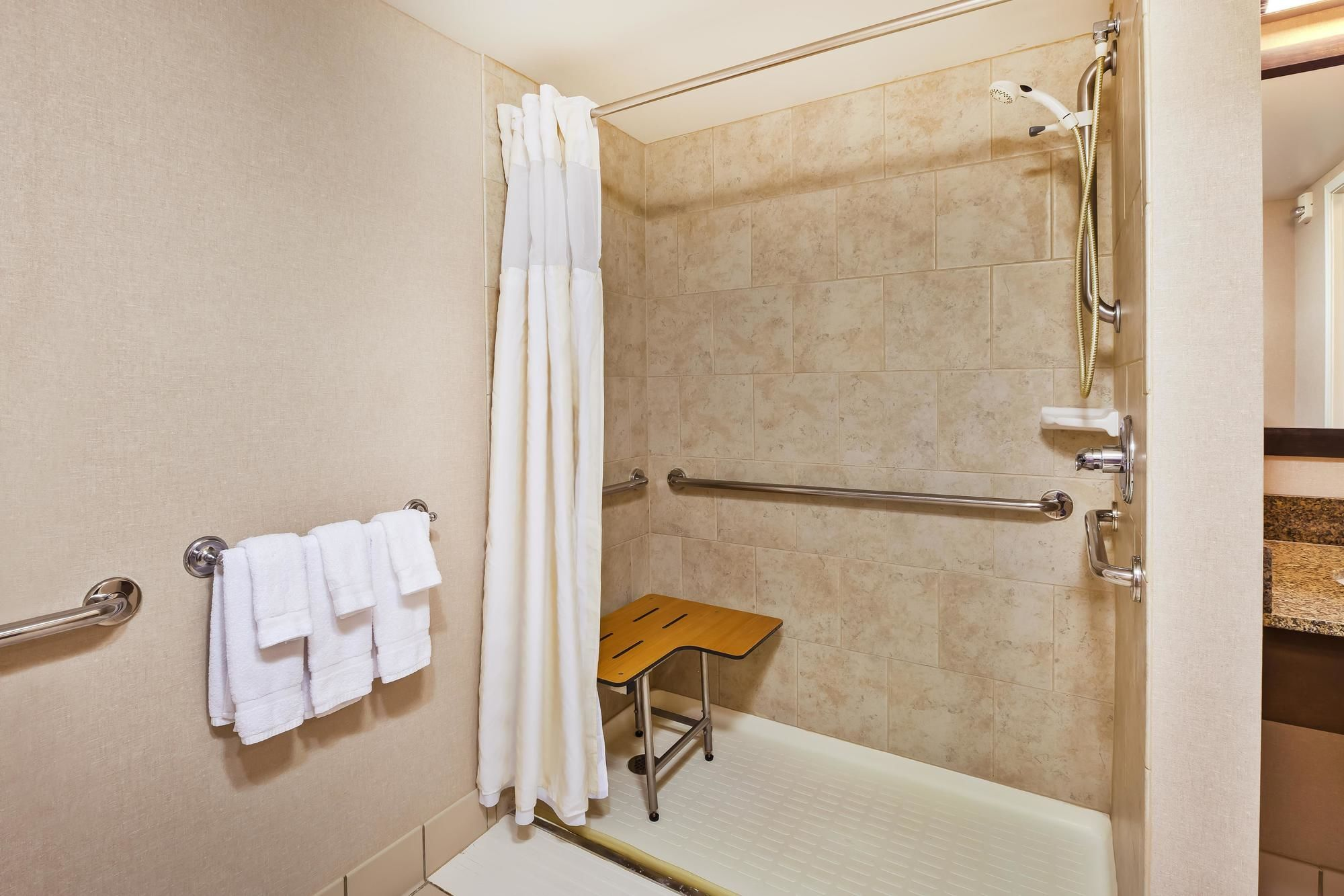 Discount Coupon for Hilton Garden Inn Cleveland Downtown in ...