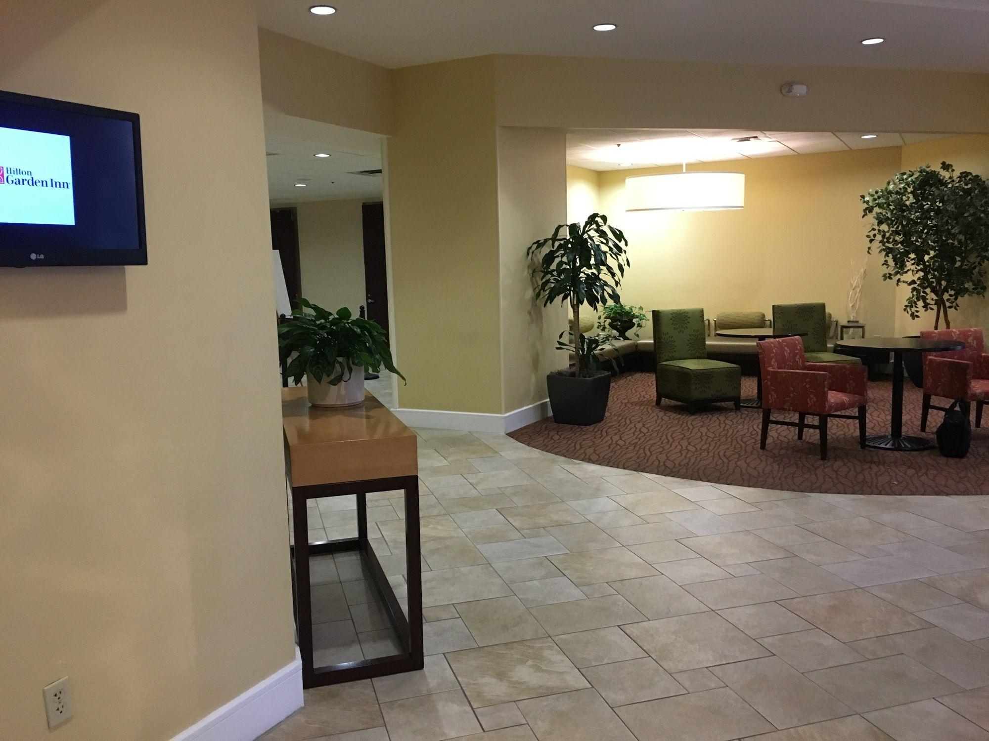 Phoenix hotel coupons for phoenix arizona for Hilton garden inn phoenix midtown phoenix az