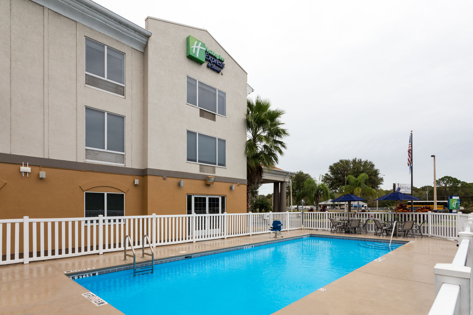 Holiday Inn Express Hotel & Suites Tavares - Leesburg in Tavares, FL