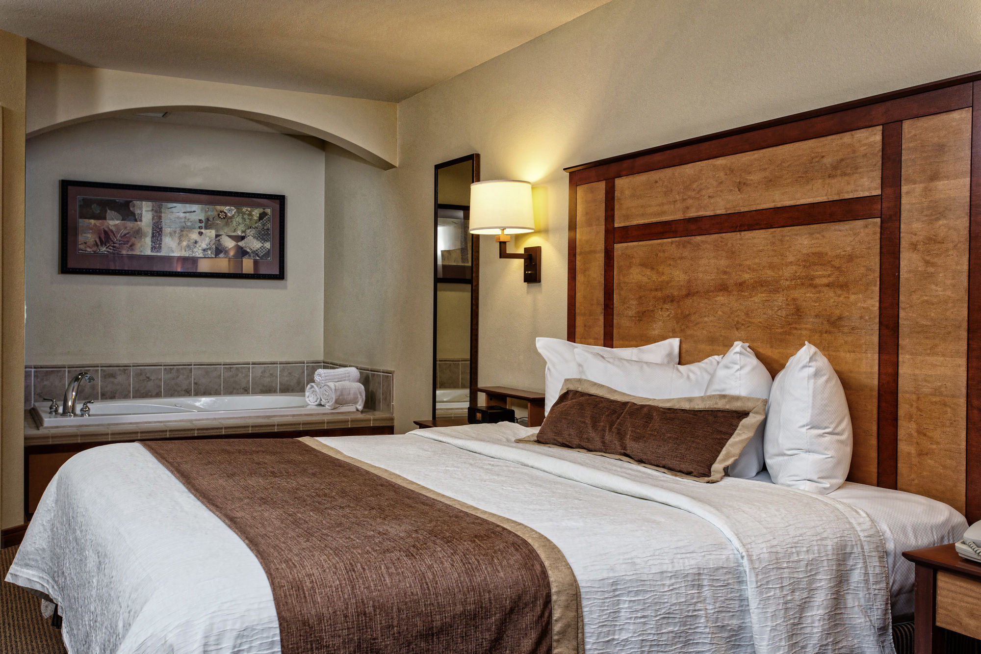 Discount Coupon for CopperLeaf Boutique Hotel & Spa in Appleton ...