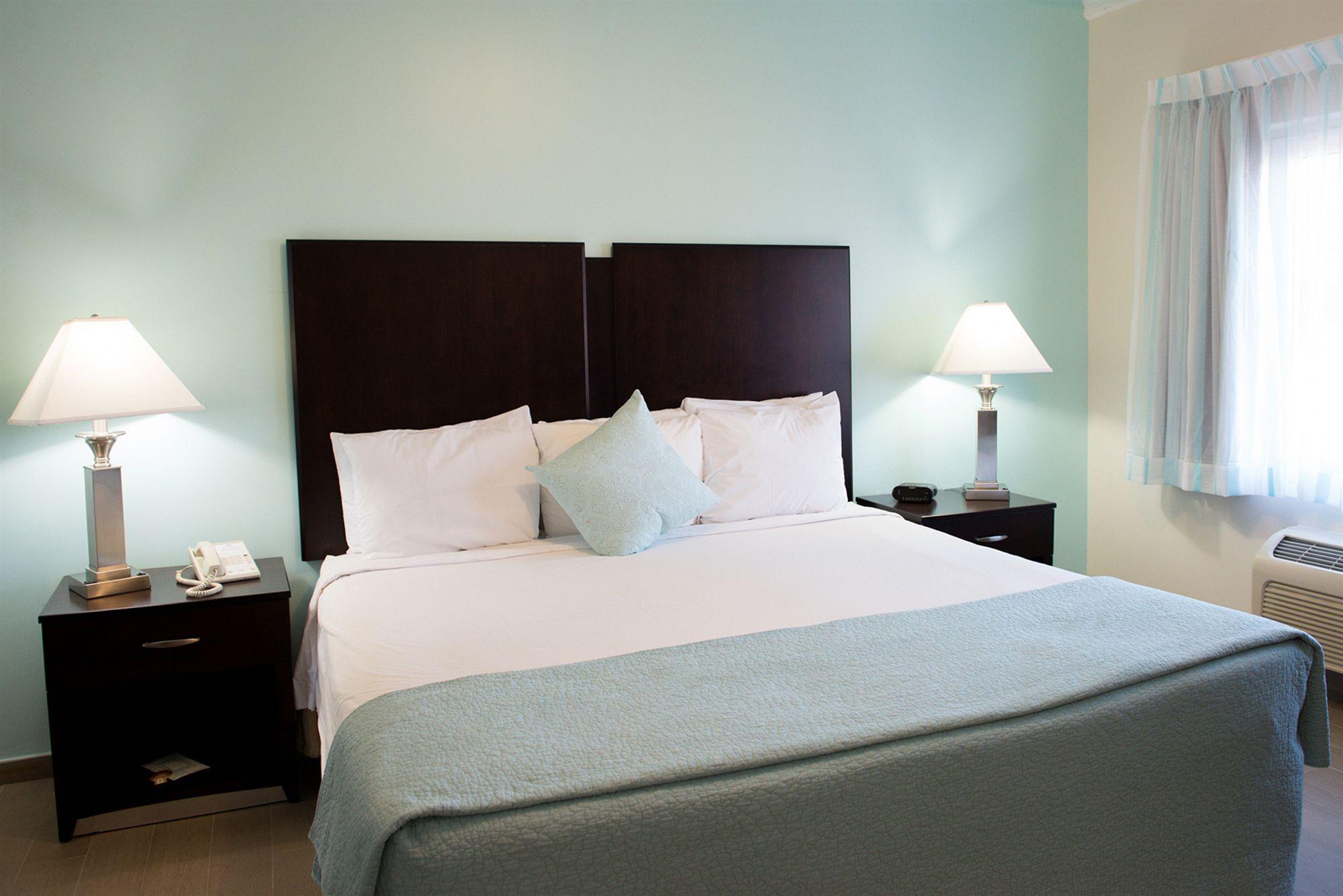 Sheldon Hotel in Hollywood, FL