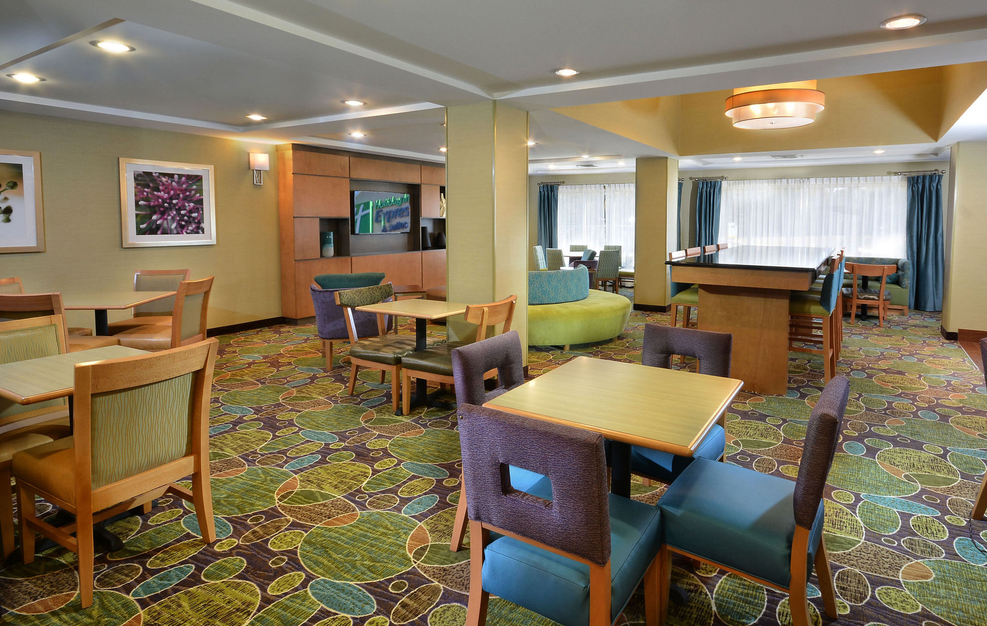 Holiday Inn Express Hotel & Suites High Point South in Archdale, NC