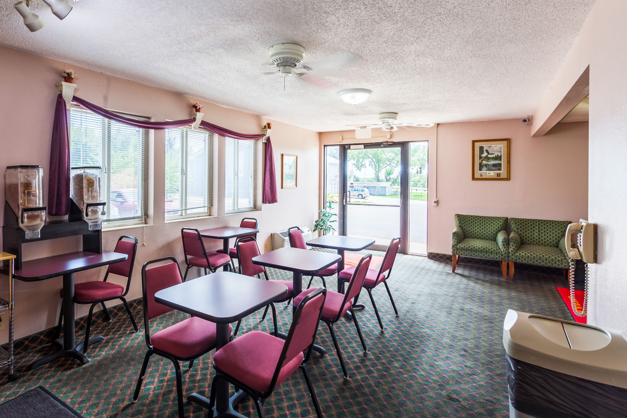 deals lincoln ne fitness room in extended center hotel townhouse stay us downtown