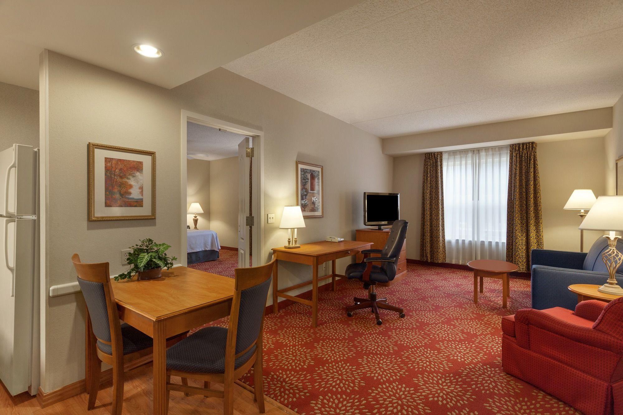Harrisburg hotel coupons for harrisburg pennsylvania for Hilton garden inn harrisburg east