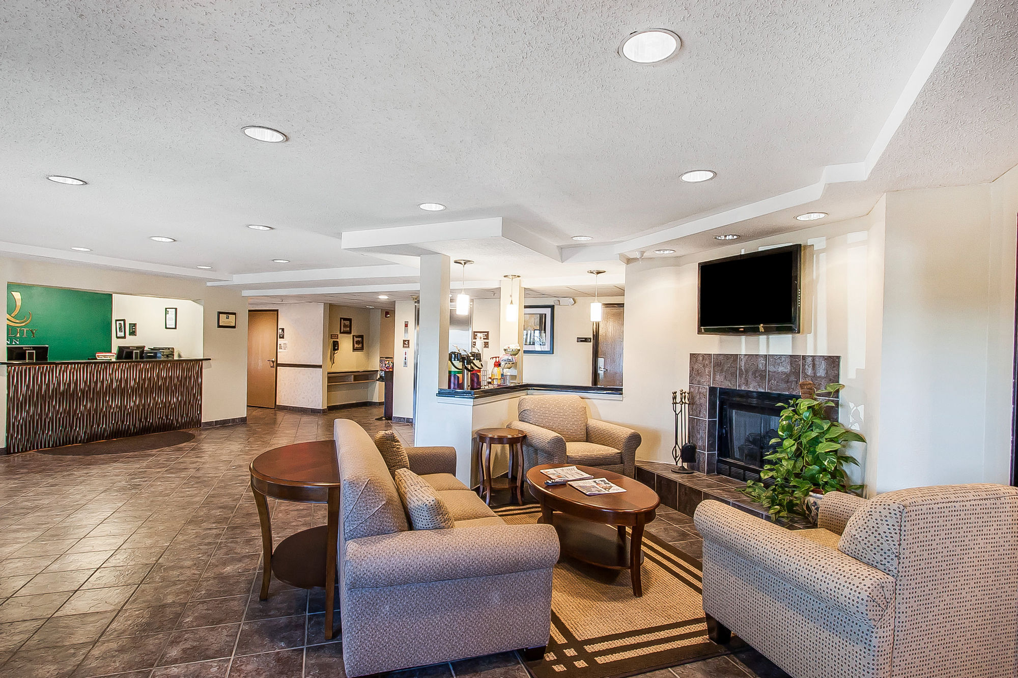 Quality Inn & Suites in Murfreesboro, TN