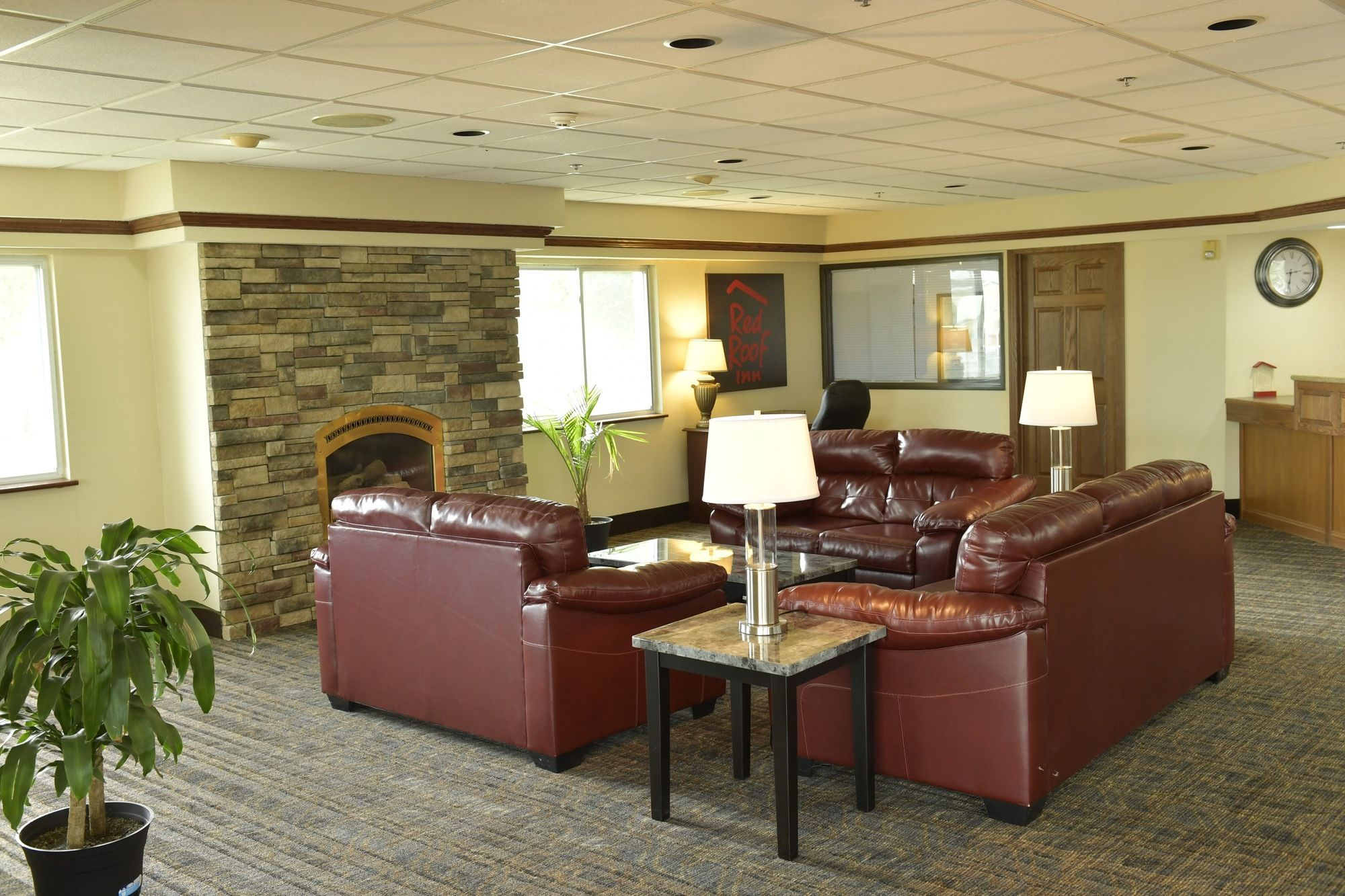 stay hotels coupons hotel for nebraska extended inn lincoln com freehotelcoupons roof red ne suites