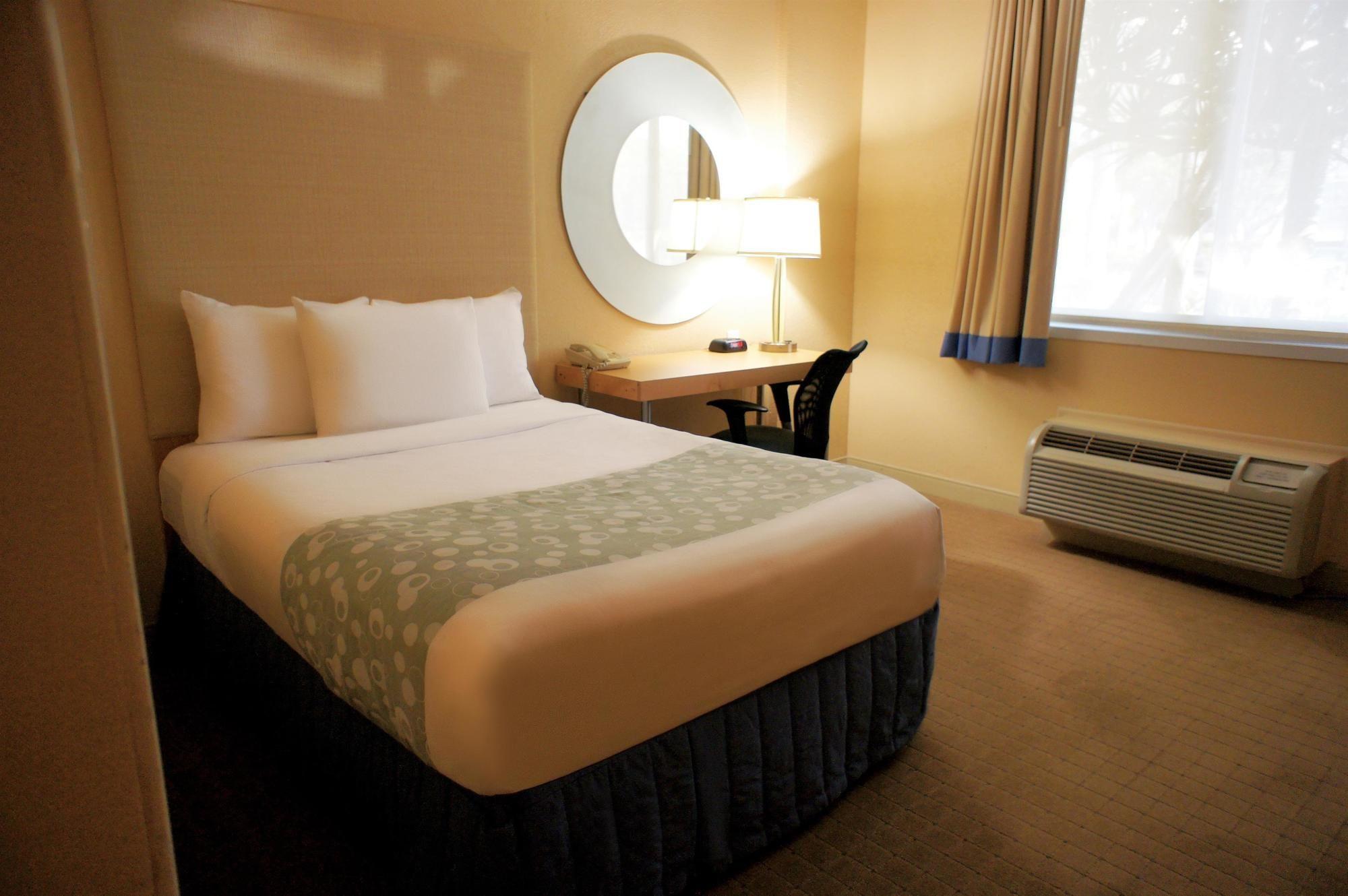 La Quinta Inn & Suites Sunrise in Sunrise, FL