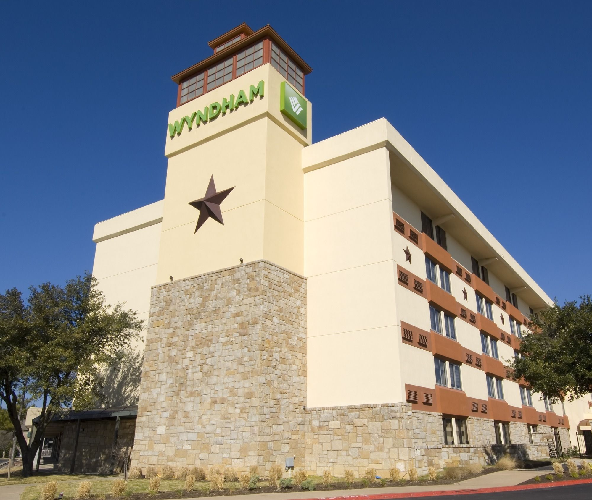 discount coupon for wyndham garden hotel austin in austin texas rh freehotelcoupons com wyndham garden hotel austin 78721 wyndham garden hotel austin austin