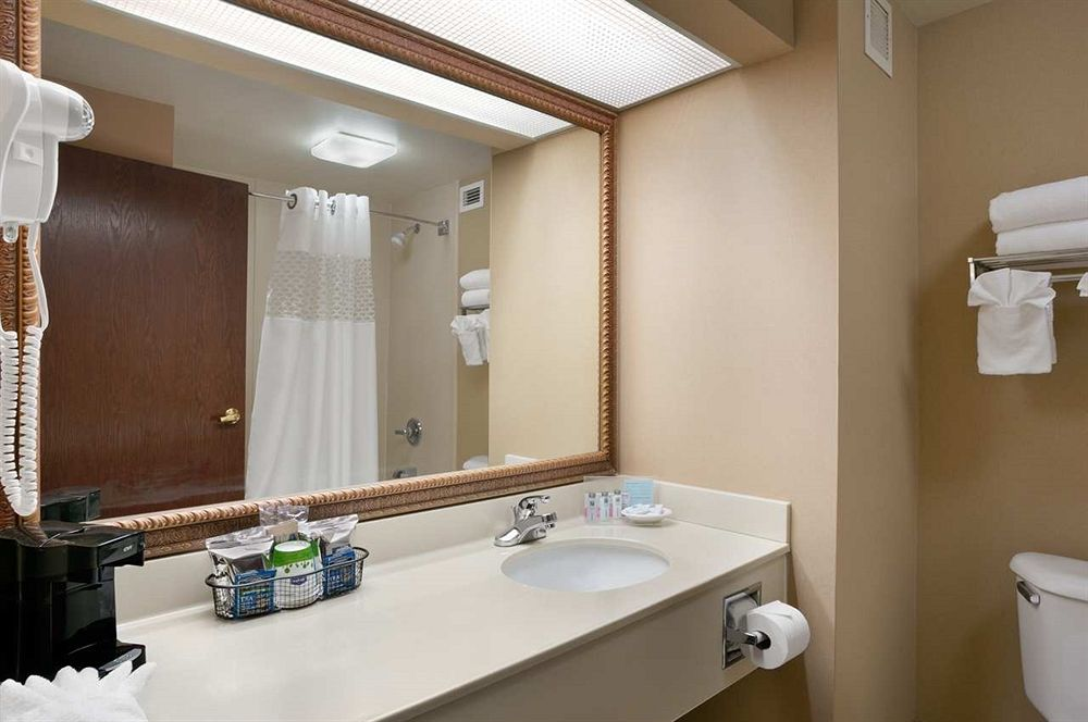 Erie Hotel Coupons for Erie, Pennsylvania - FreeHotelCoupons com