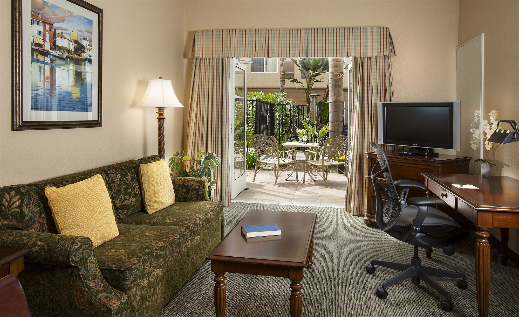 San Diego Hotel Coupons for San Diego, California - FreeHotelCoupons.com