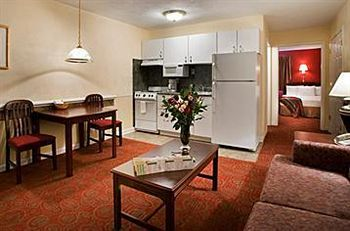Luxbury Inn & Suites