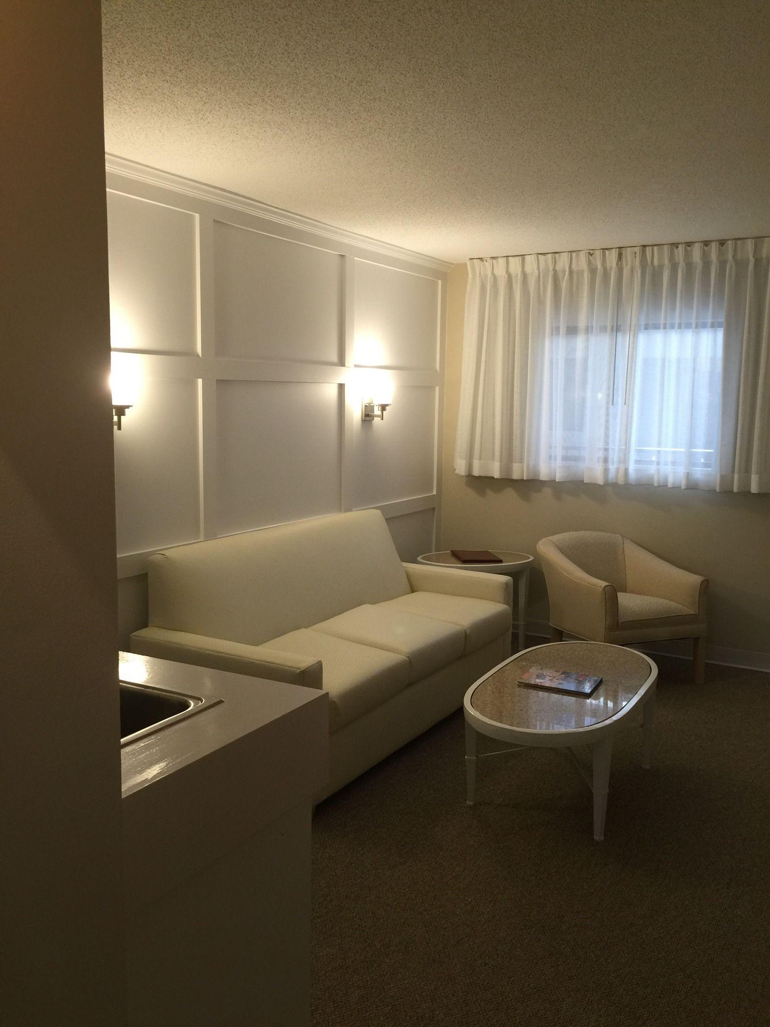 Brighton Suites Hotel in Rehoboth Beach, DE