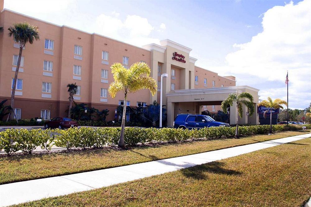 Hampton Inn & Suites Ft. Pierce in Ft Pierce, FL
