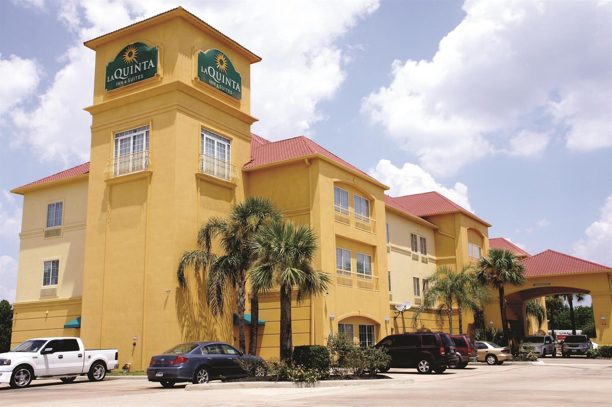 La Quinta Inn & Suites Houston 1960 in Houston, TX