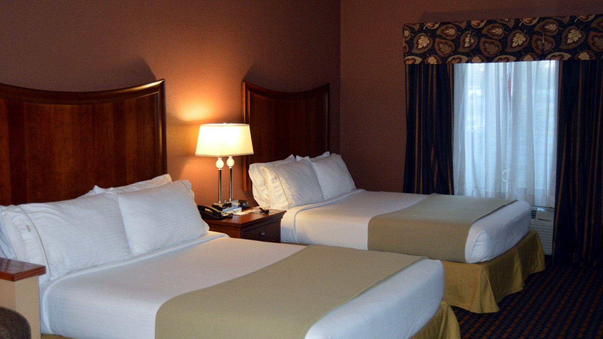 Holiday Inn Express Hotel & Suites Suffolk in Suffolk, VA