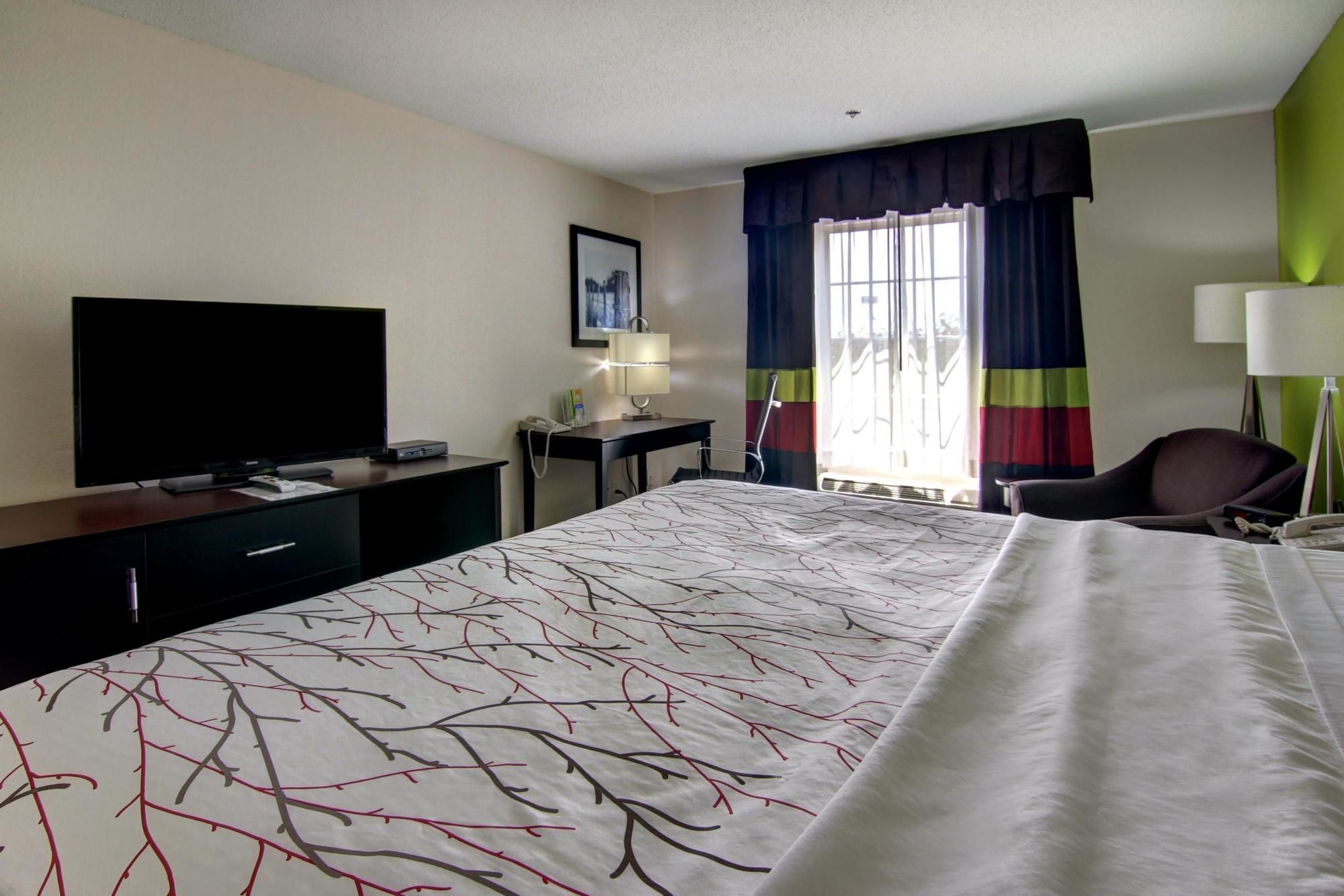 LaQuinta Inn & Suites in Calhoun, GA