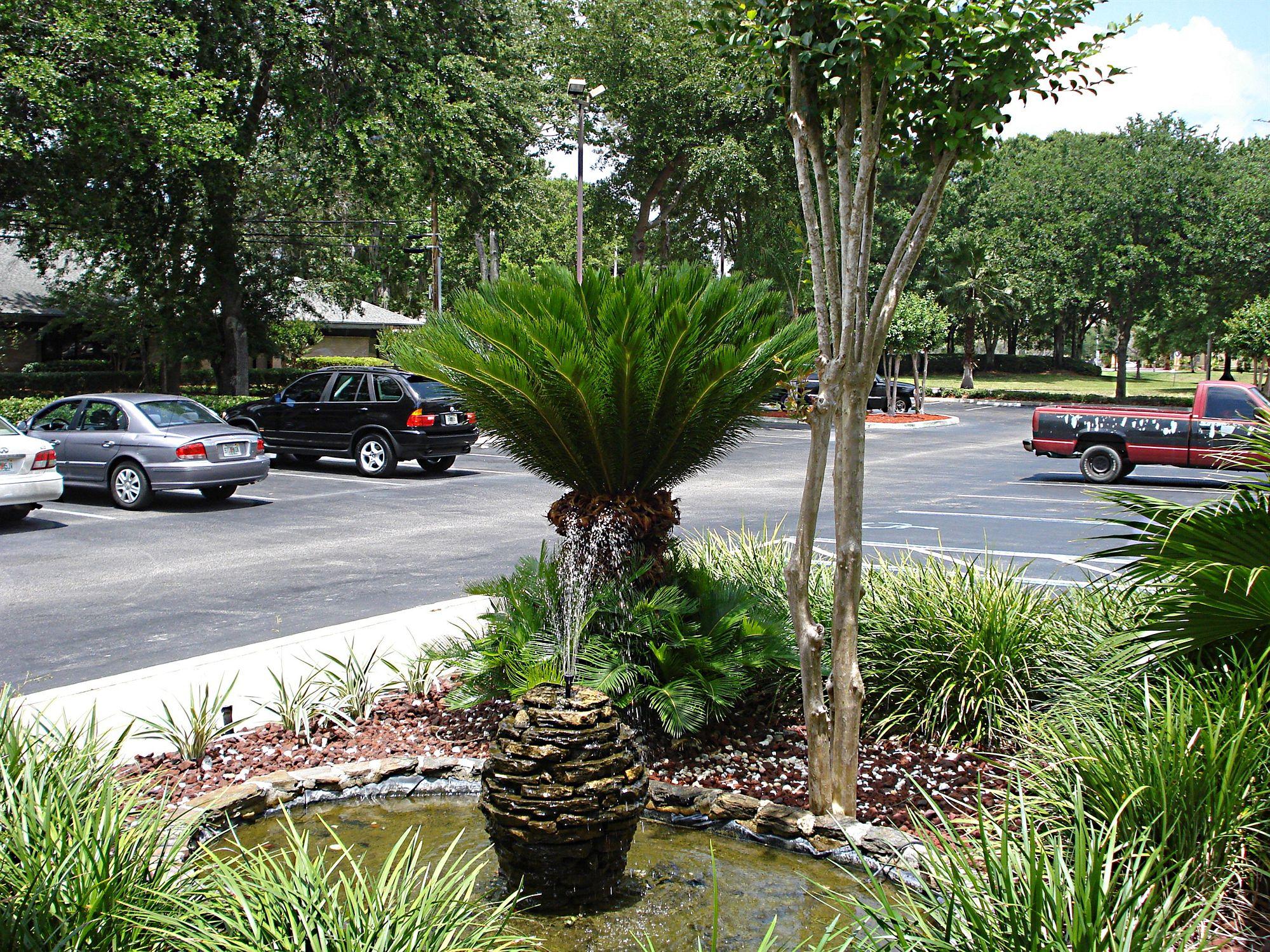 Hometown Inn & Suites Jacksonville - Butler Blvd./Southpoint