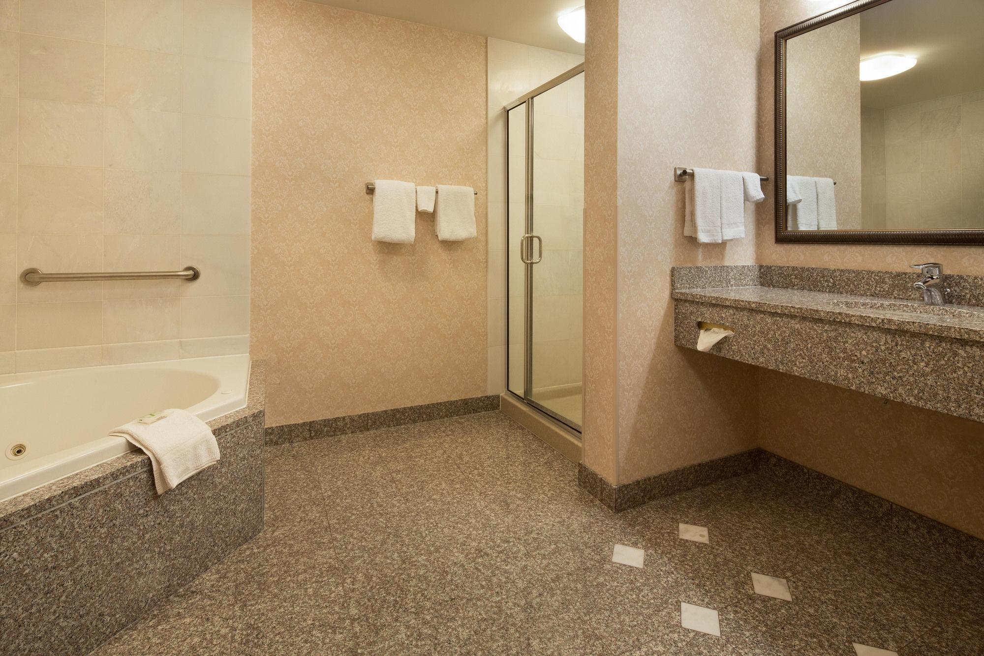 Drury Inn and Suites Meridian in Meridian, MS