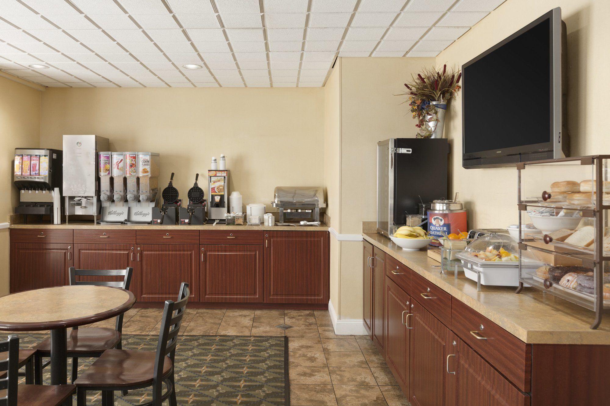 Country Inn & Suites in Fredericksburg, VA