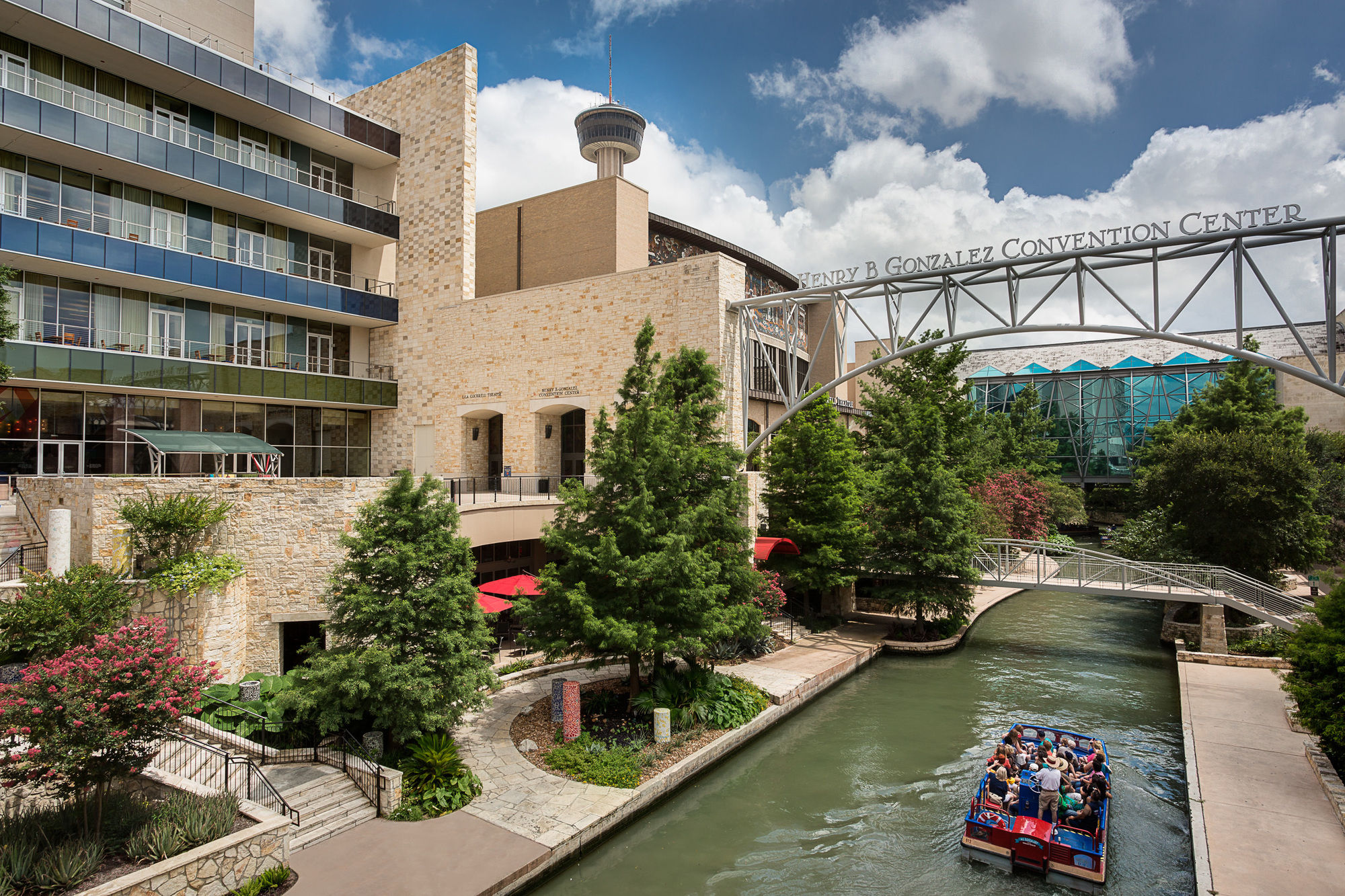Hotels Near  E Market St San Antonio Tx