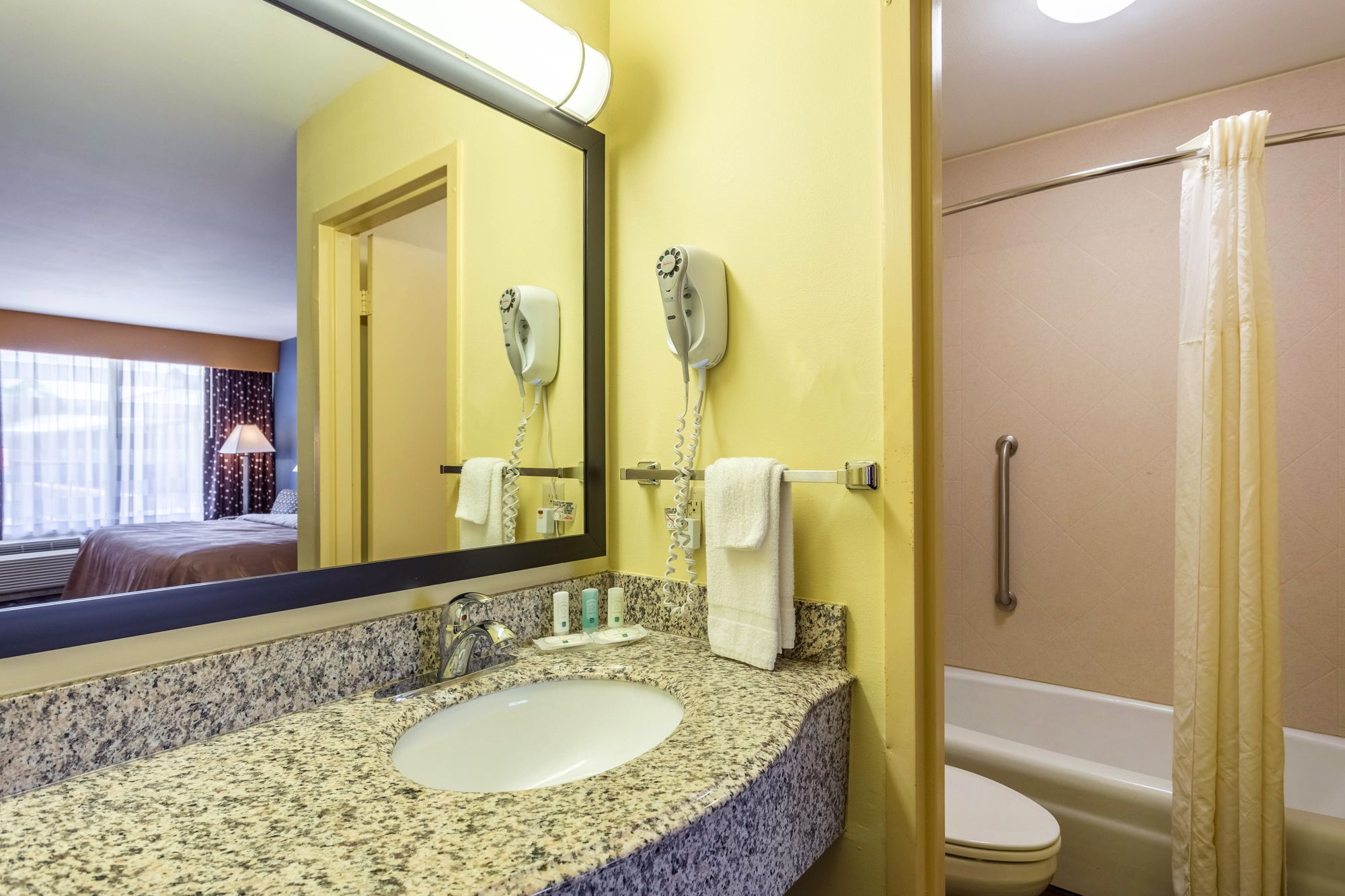 Quality Inn & Suites Port Allen in Port Allen, LA