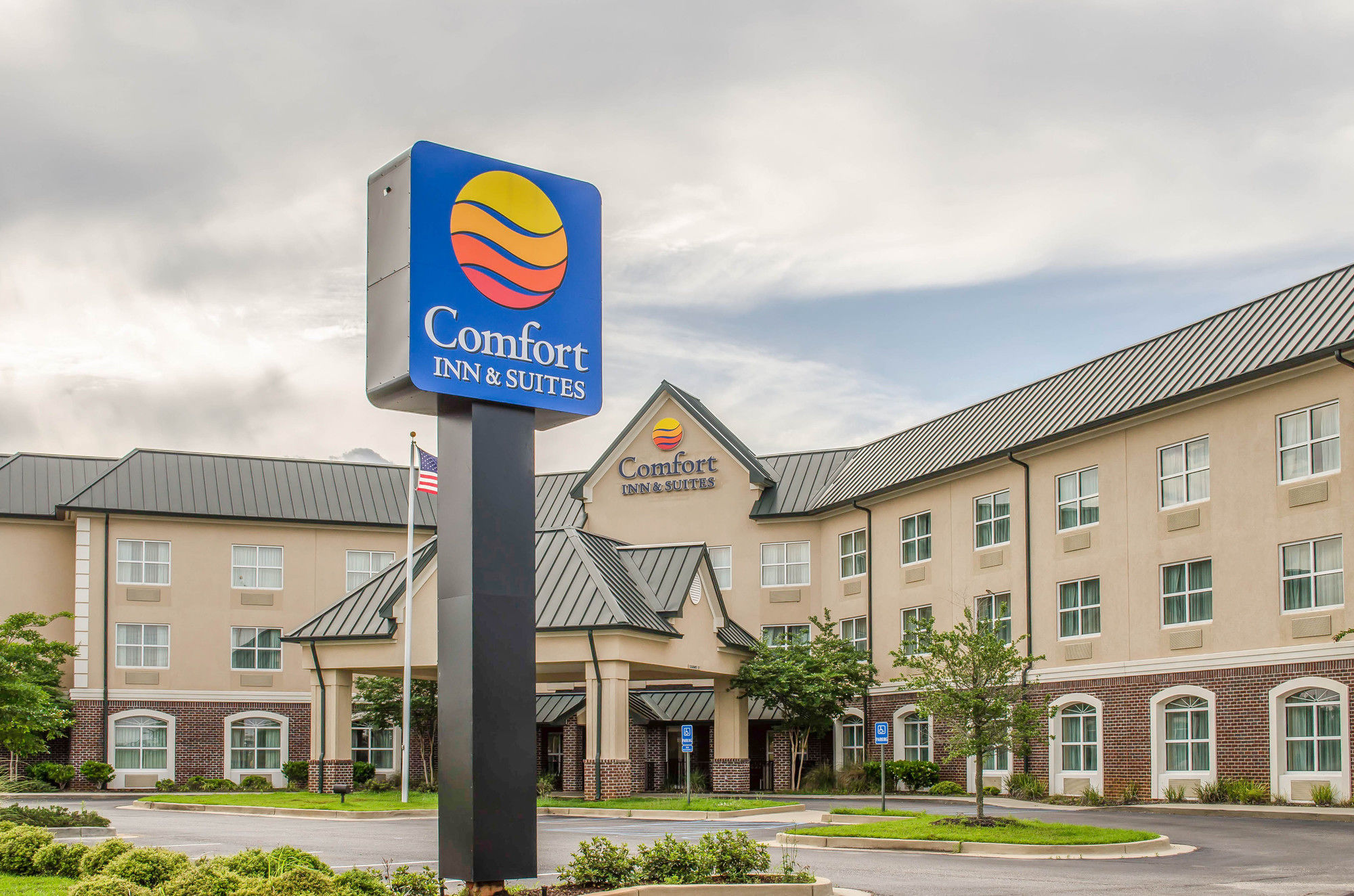 Comfort Inn & Suites in Daphne, AL