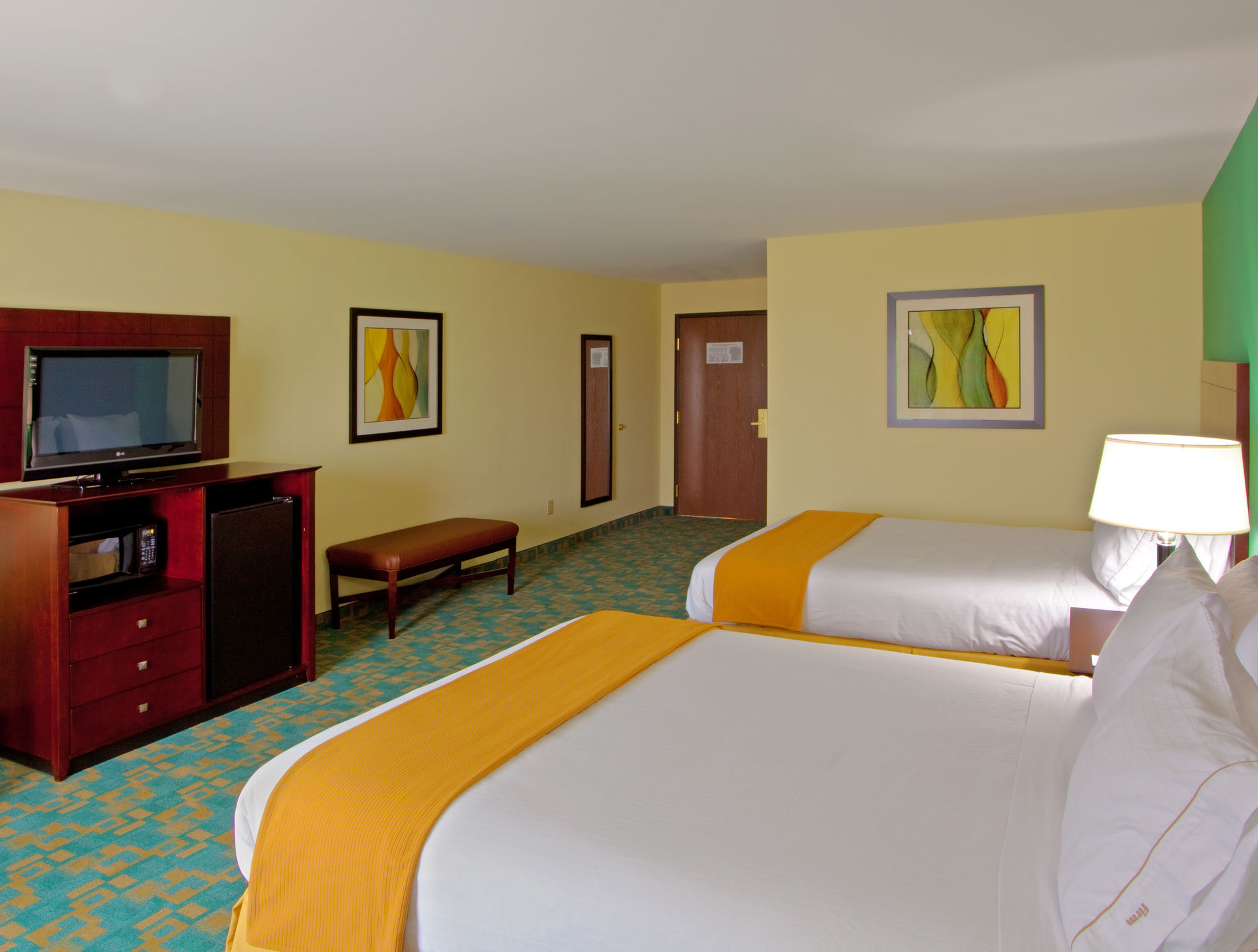 Holiday Inn Express & Suites in Thornburg, VA