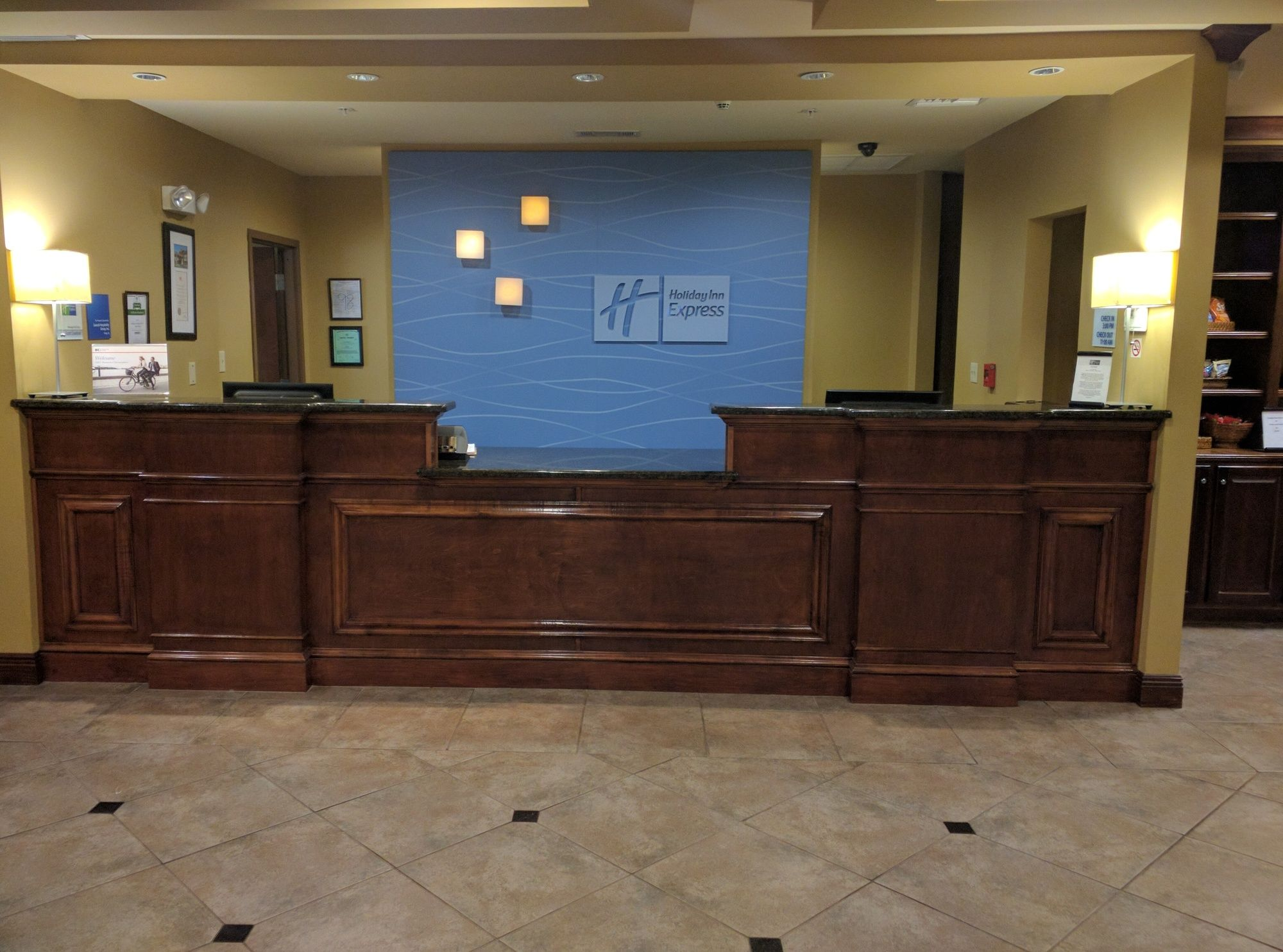 Holiday Inn Express & Suites Foley in Foley, AL