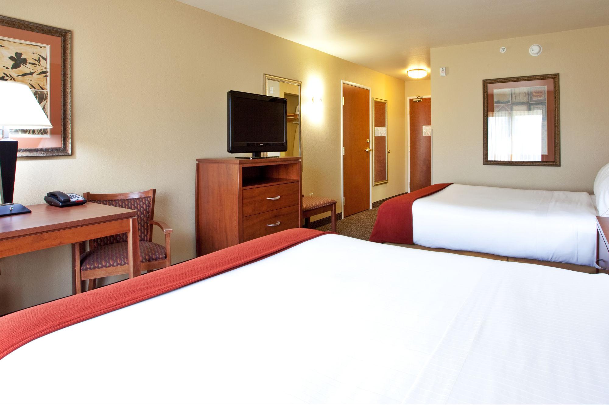 Holiday Inn Express Hotel & Suites Lewisburg in Lewisburg, WV