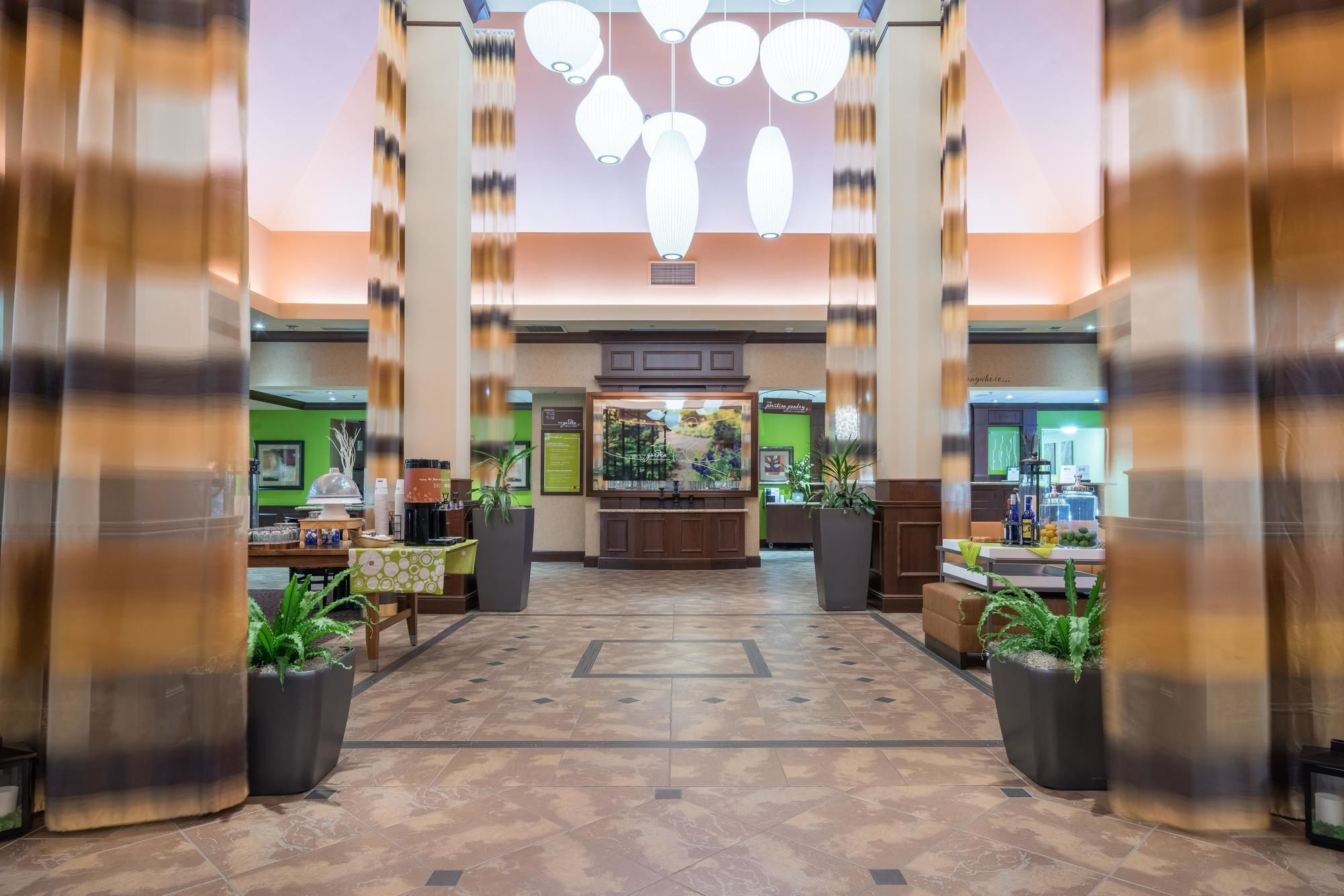 Sioux city hotel coupons for sioux city iowa for Hilton garden inn sioux city riverfront