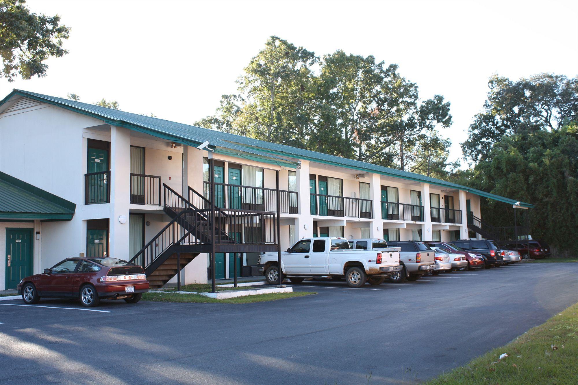 Relax Inn Savannah in Savannah, GA