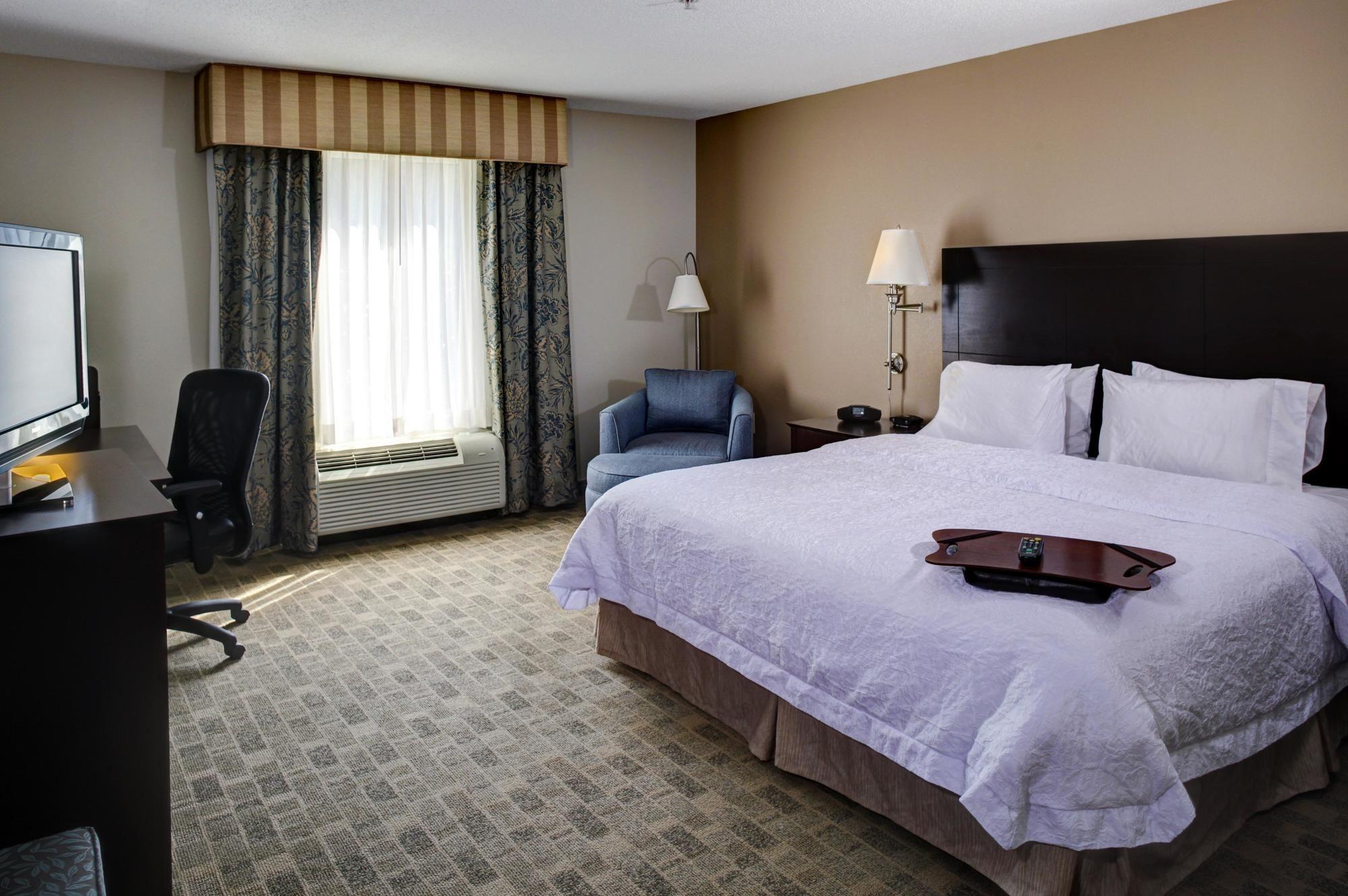 Hampton Inn & Suites Atlanta Airport West/Camp Creek Pkwy