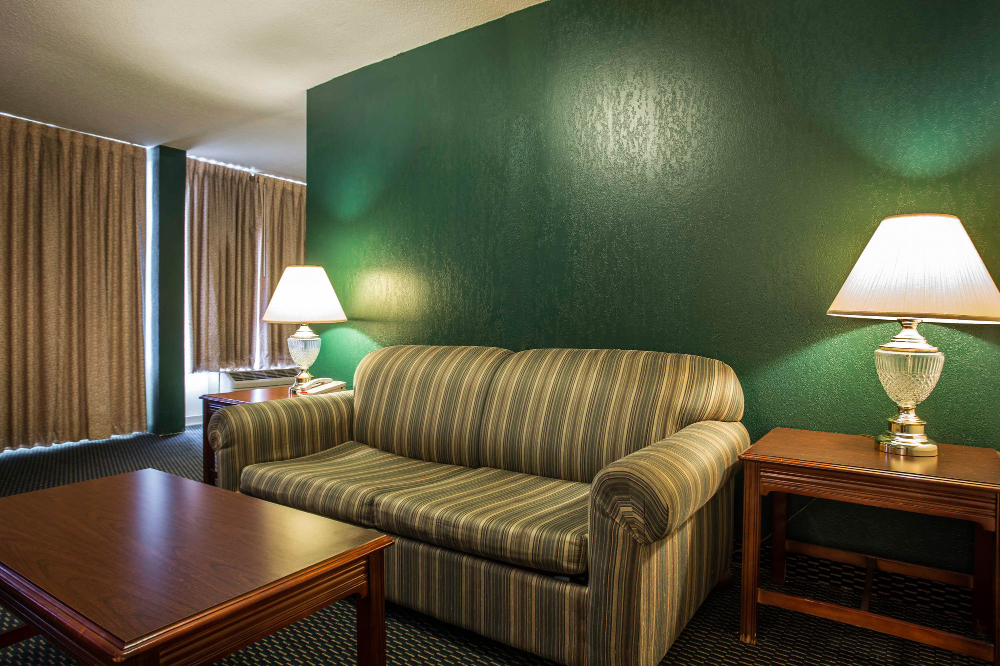 Econo Lodge Inn & Suites in Lumberton, NC
