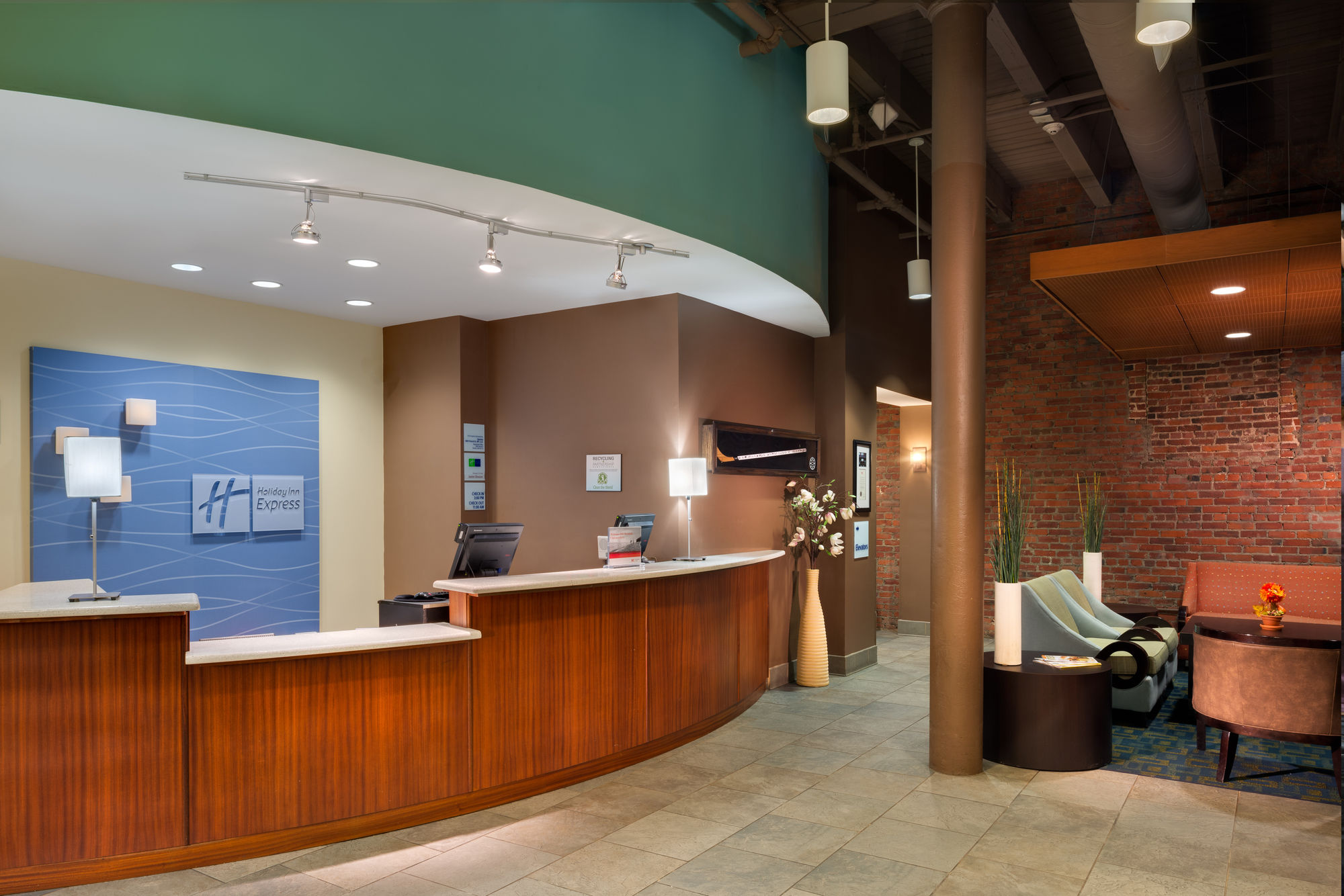 Discount Coupon for Holiday Inn Express Hotel & Suites Boston Garden ...
