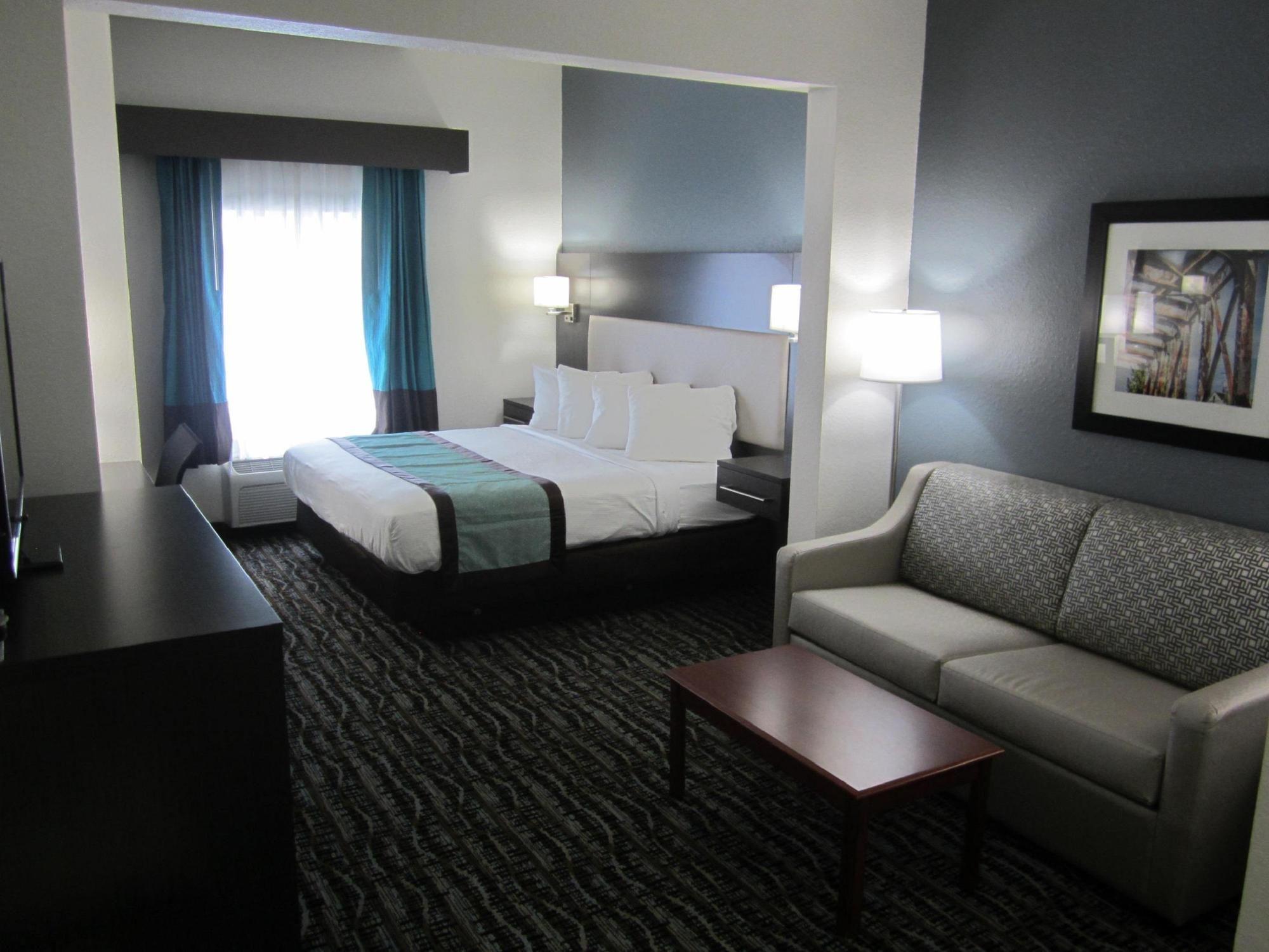 Waldo Inn and Suites in Starke, FL