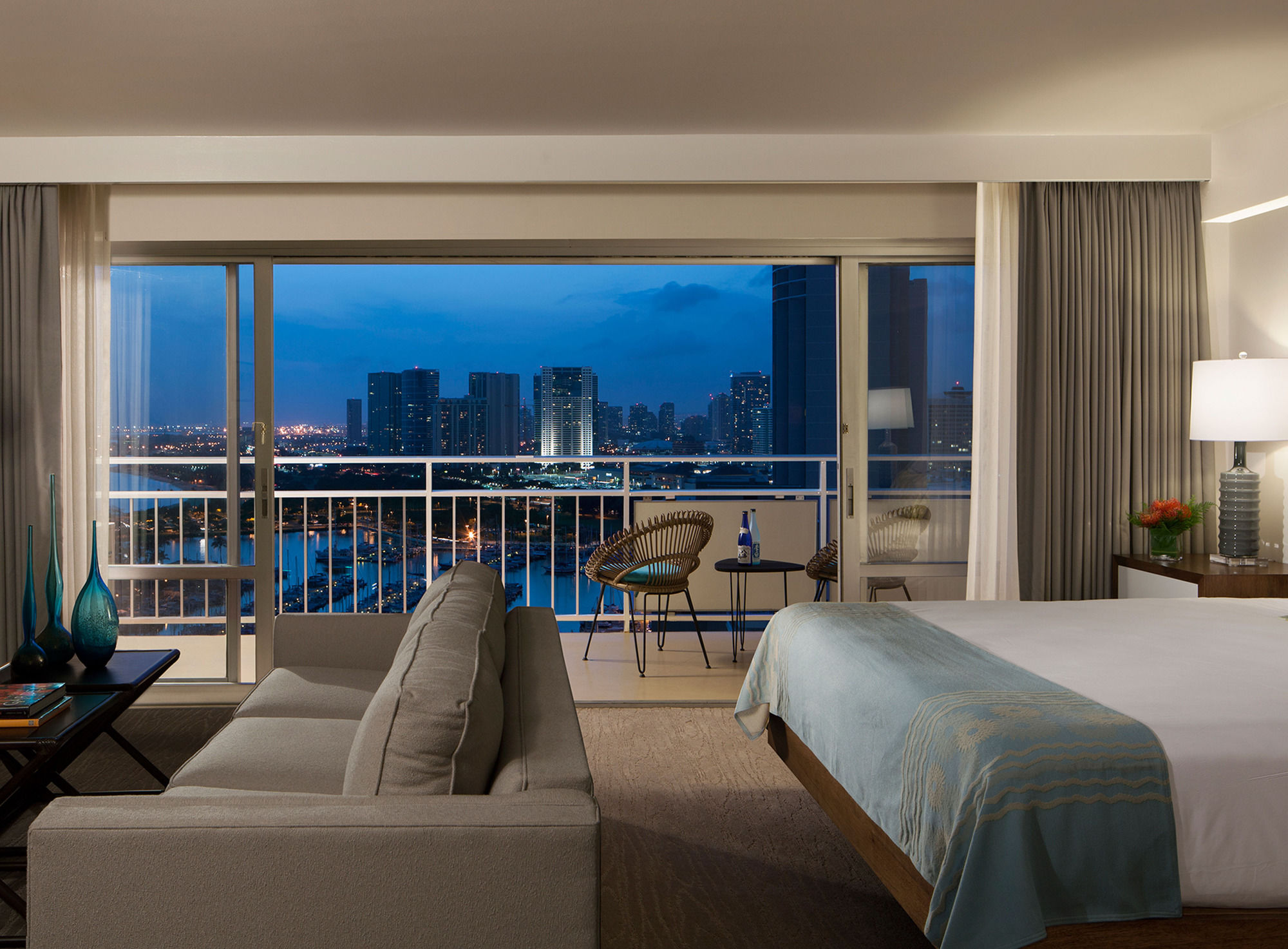 Discount Coupon for Ilikai Hotel & Luxury Suites in Honolulu, Hawaii - Save Money!