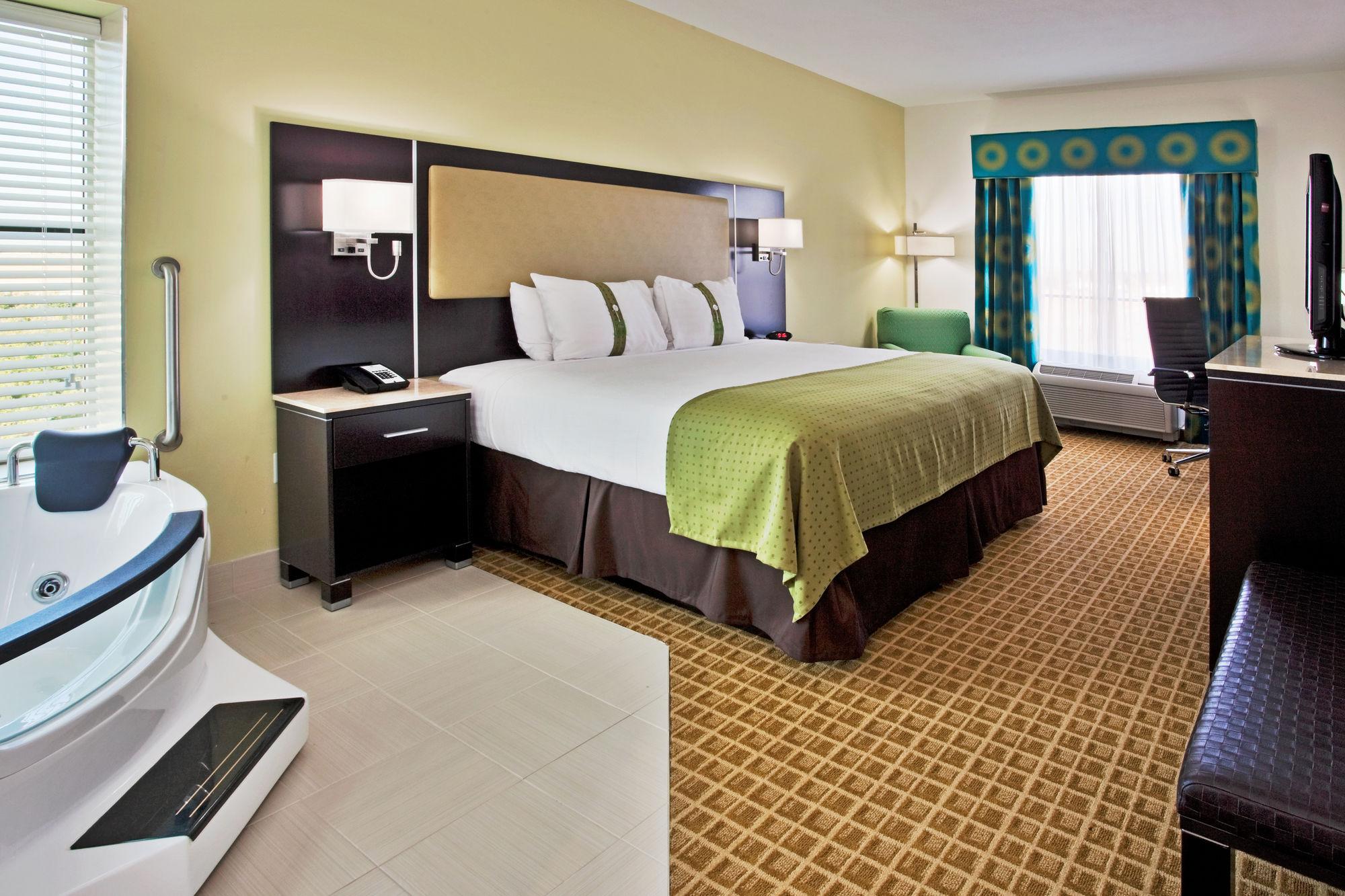 Holiday Inn Sarasota Airport in Sarasota, FL
