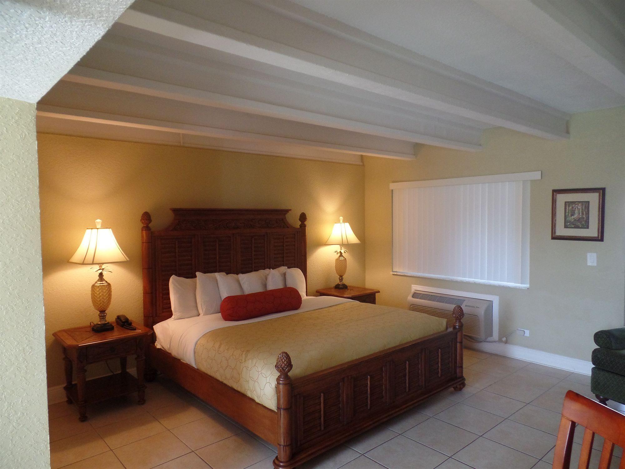 The Bayside Inn & Marina in Treasure Island, FL