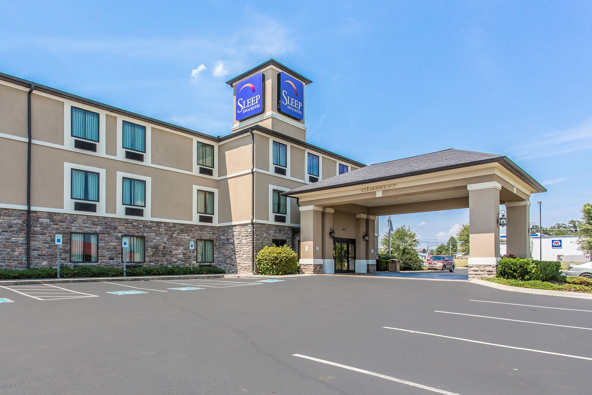 Sleep Inn & Suites in Manchester, TN
